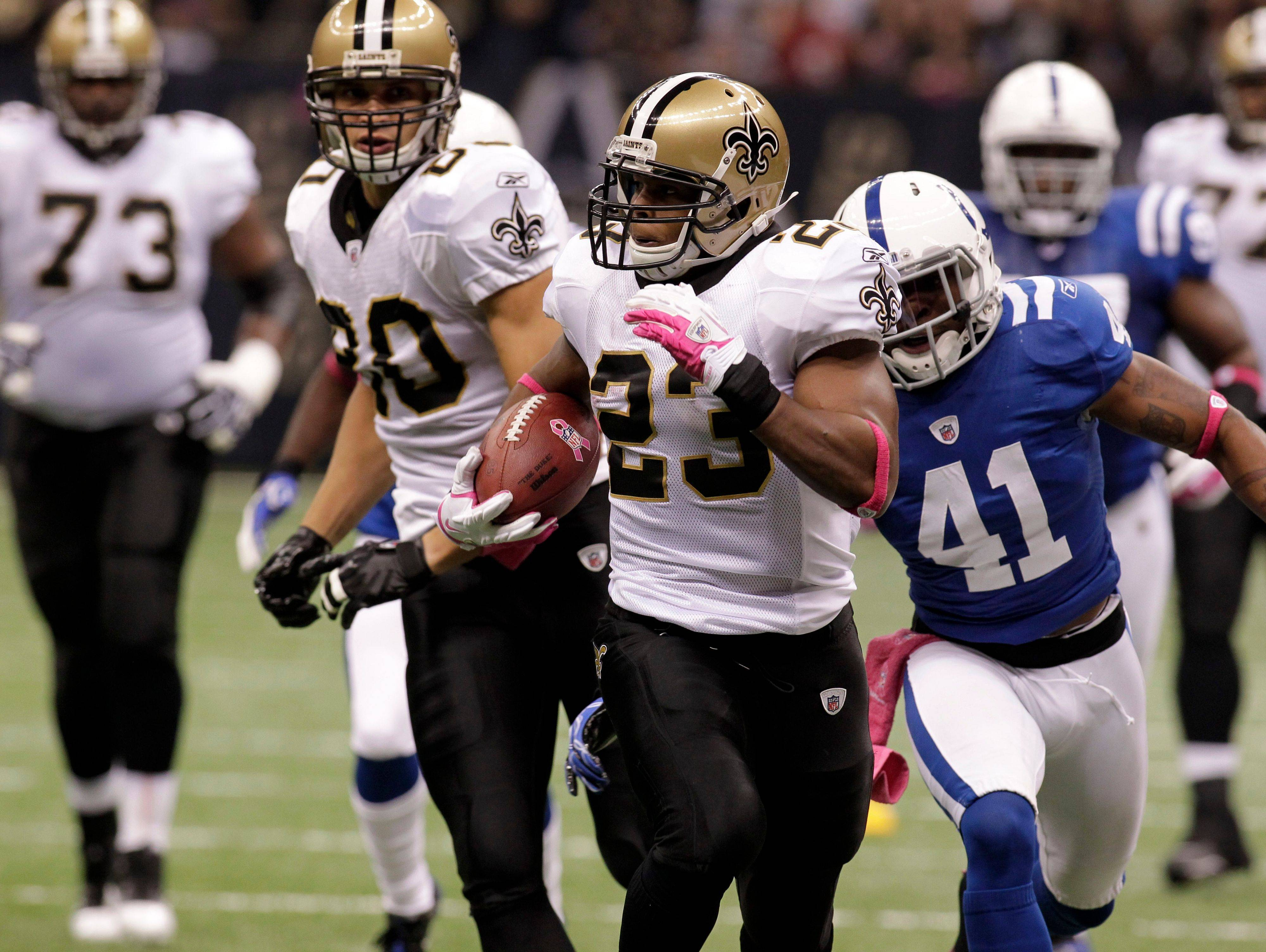 Former Illini running back Pierre Thomas could pile up big points this weekend when New Orleans plays St. Louis, says fantasy football columnist John Dietz.