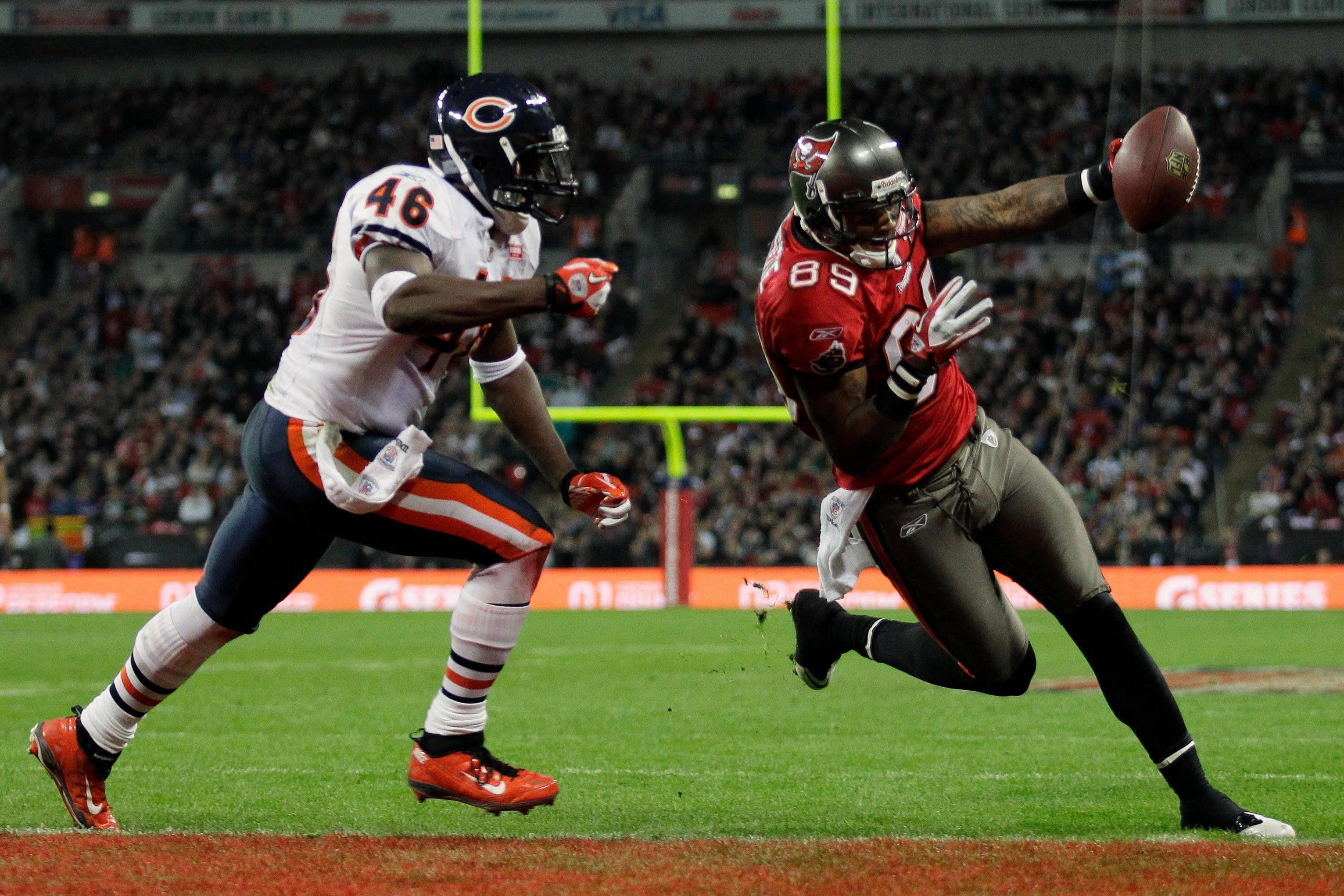 Bears strong safety Chris Harris wasn't able to stop Tampa Bay's Dezmon Briscoe from scoring on this 24-yard touchdown pass Sunday in London. The Bears released Harris on Thursday.