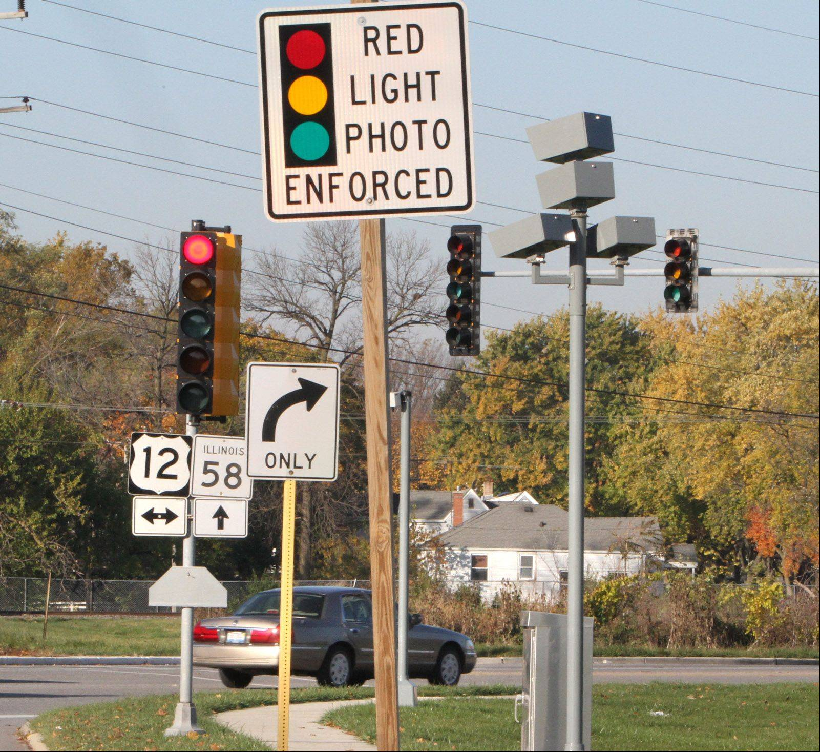 Looking west at Golf Road and Rand Road at the red-light camera intersection in Des Plaines.