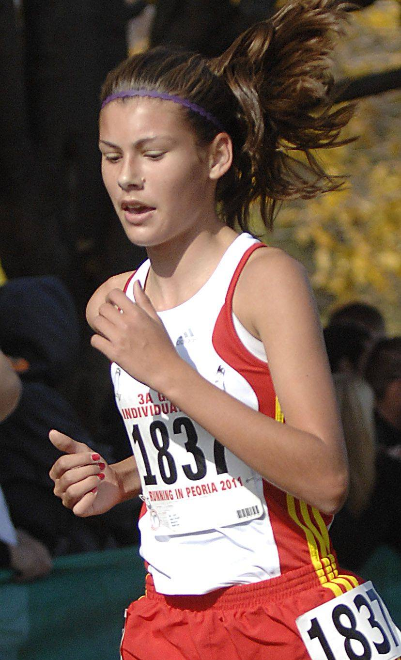 Batavia's Lexi Slome takes 39th place in the 3A state cross country final.