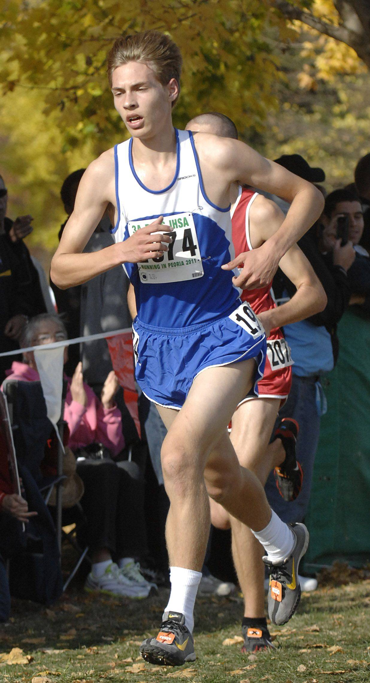 Lake Zurich's Pat Juras takes 7th place with a time of 14:33 in the 3A state cross country final.