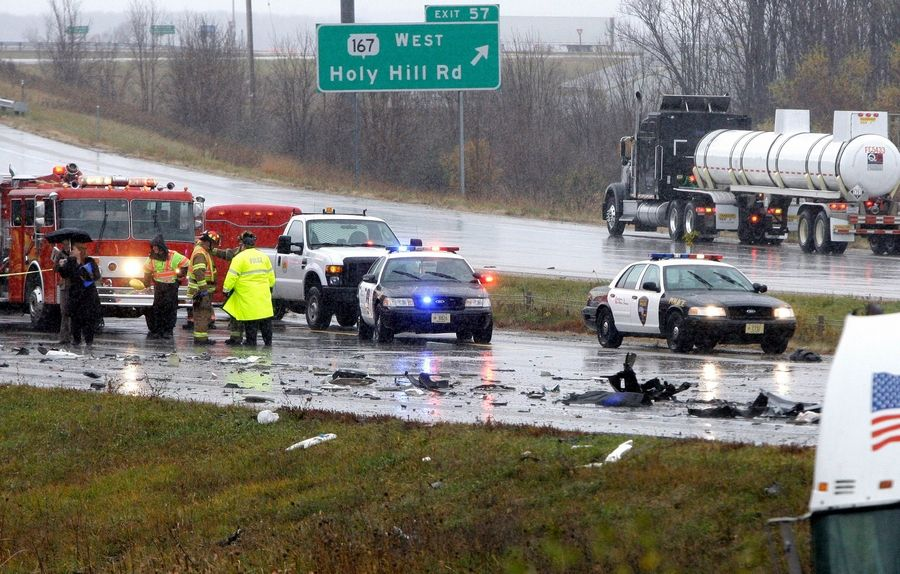 2 semis, 8 cars involved in fatal Wisconsin crash