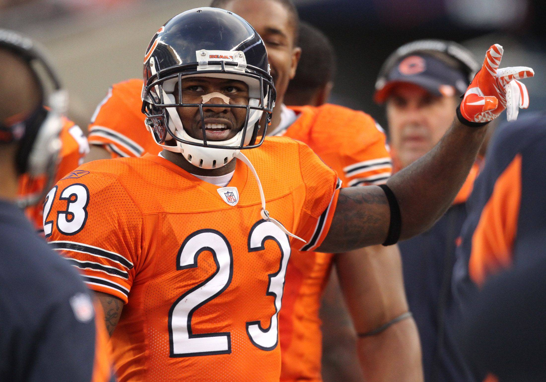 Bears dominate in 37-13 win over Detroit