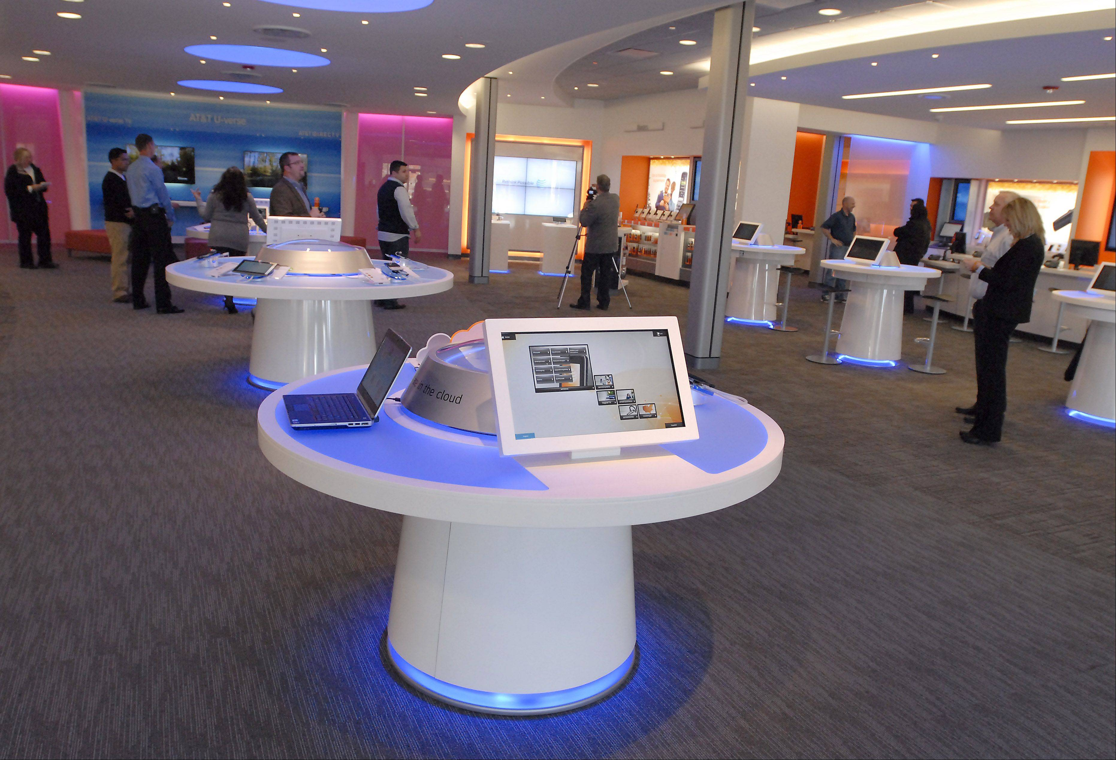 The new AT&T Innovation Center in Arlington Heights will be the only one of its kind in the country.