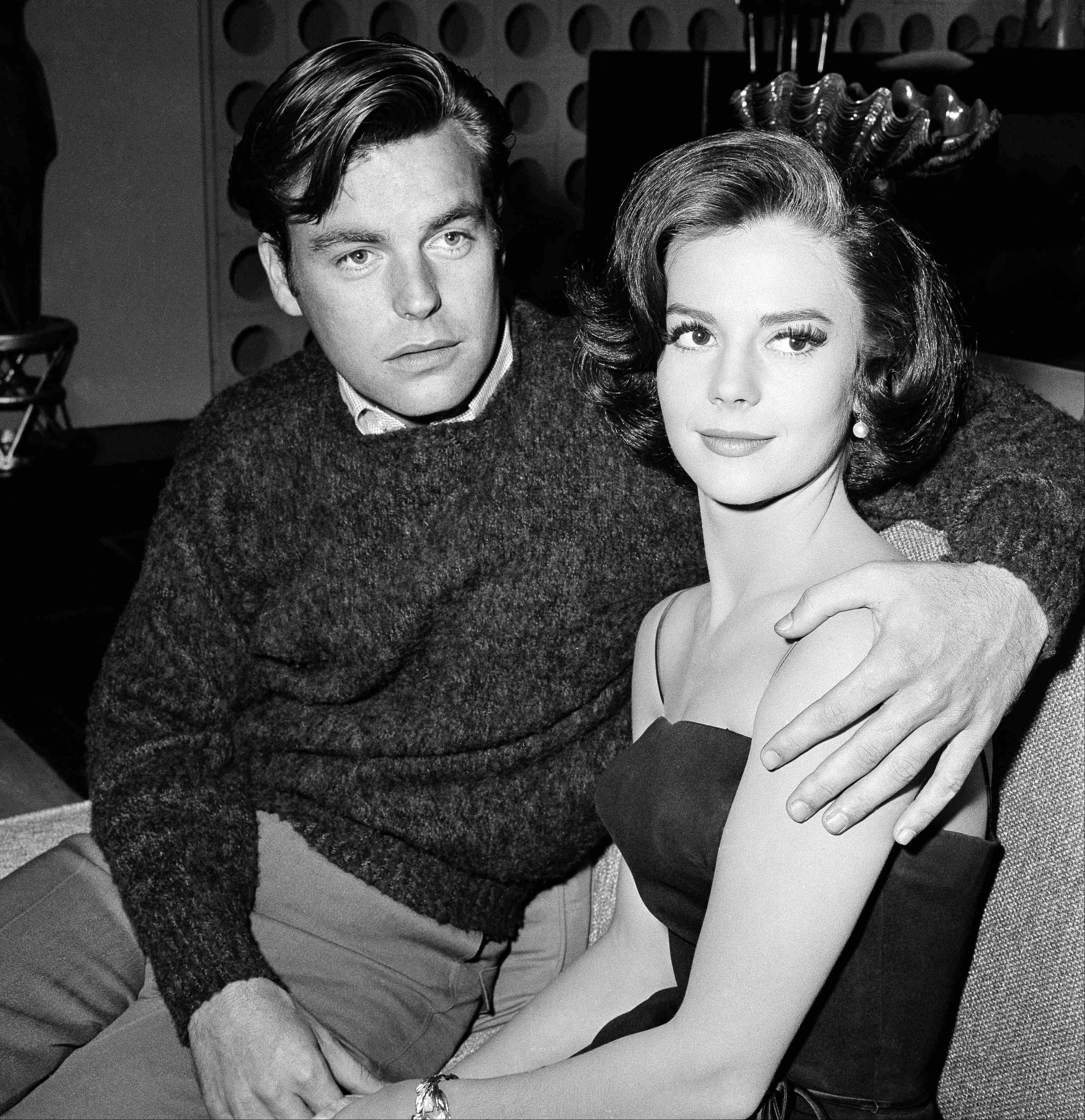"In a Nov. 25, 1959, file photo, Natalie Wood and her husband, Robert Wagner, are made up for their roles in ""All The Fine Young Cannibals,"" in Los Angeles. Dennis Davern, captain of the yacht Splendour, which Wood was aboard at the time of her death, said on national TV on Friday that he lied to investigators about Natalie Wood's mysterious death 30 years ago and blames the actress' husband at the time, Robert Wagner, for her drowning in the ocean off Southern California."