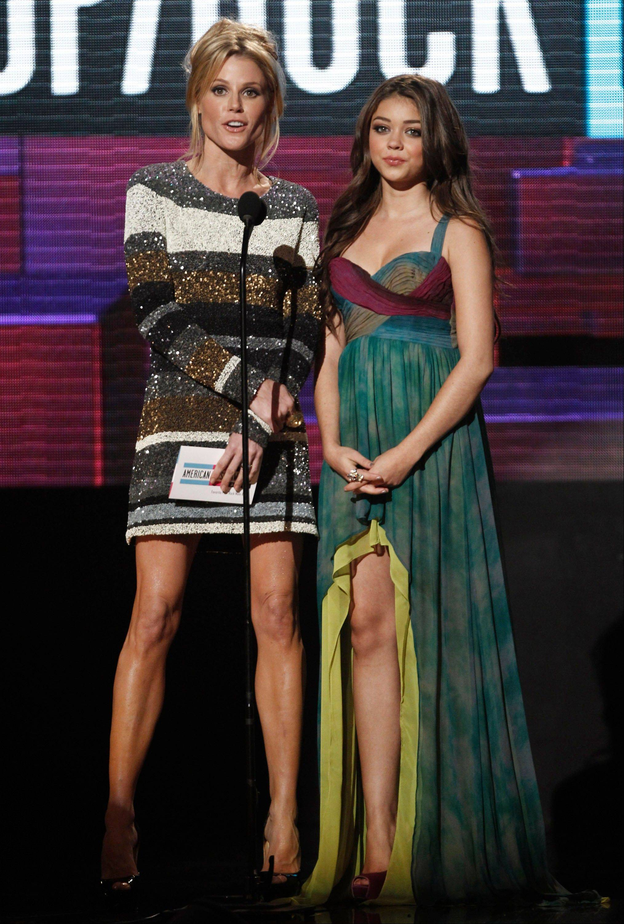 Julie Bowen, left, and Sarah Hyland are seen onstage at the 39th Annual American Music Awards on Sunday, Nov. 20, 2011 in Los Angeles.