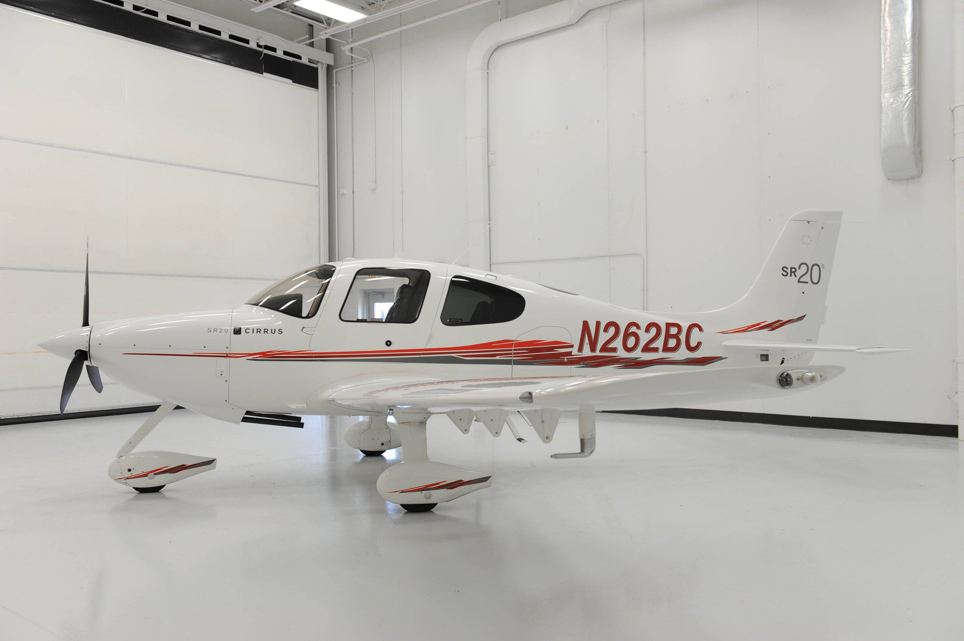 Authorities said a Cirrus SR20 like this one crashed in Crystal Lake Saturday morning, killing four people.