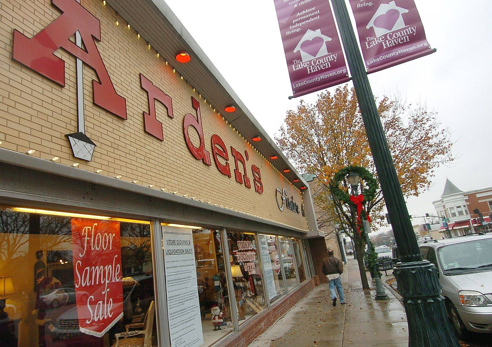 Arden's furniture store in downtown Libertyville is closing after 37 years.