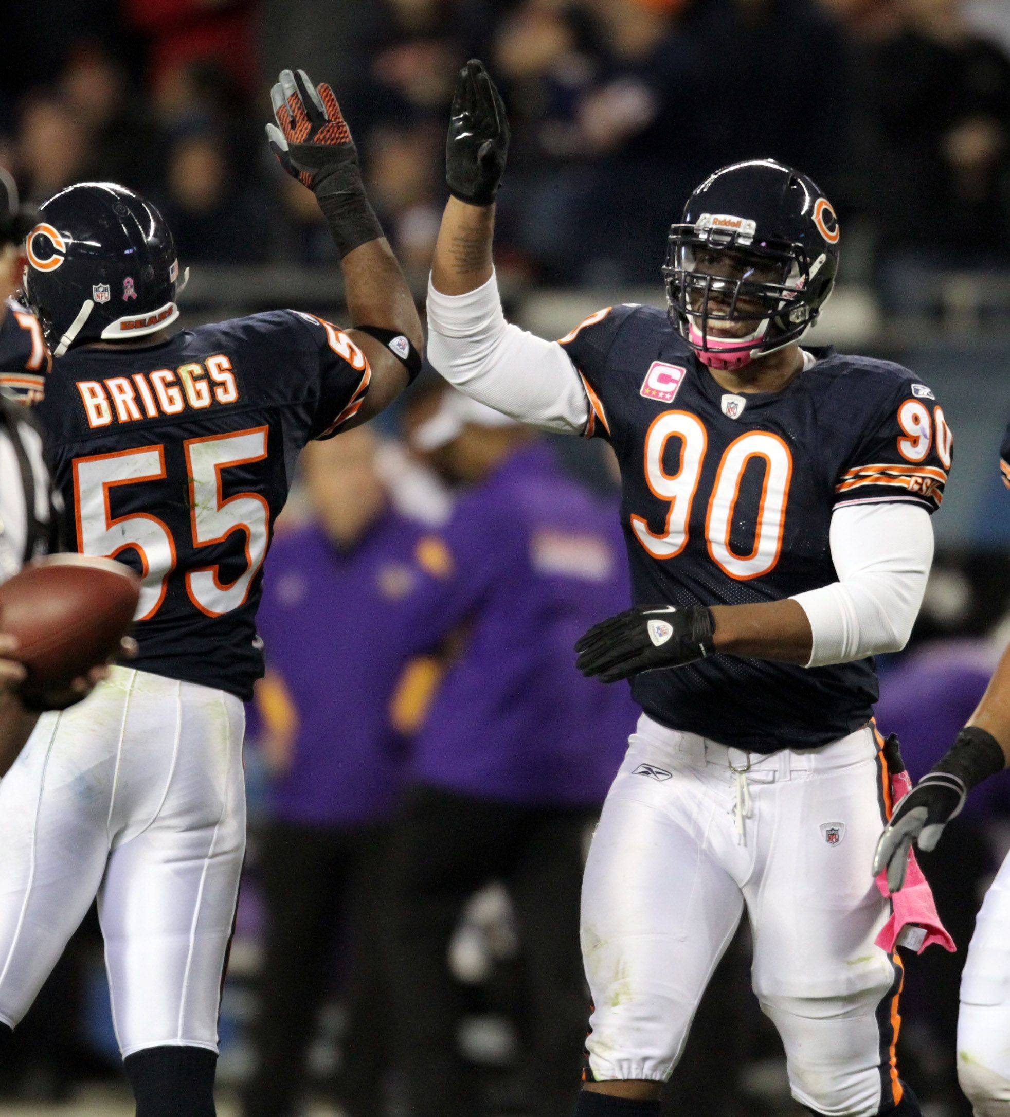 Bears gush over Peppers' amazing play of late