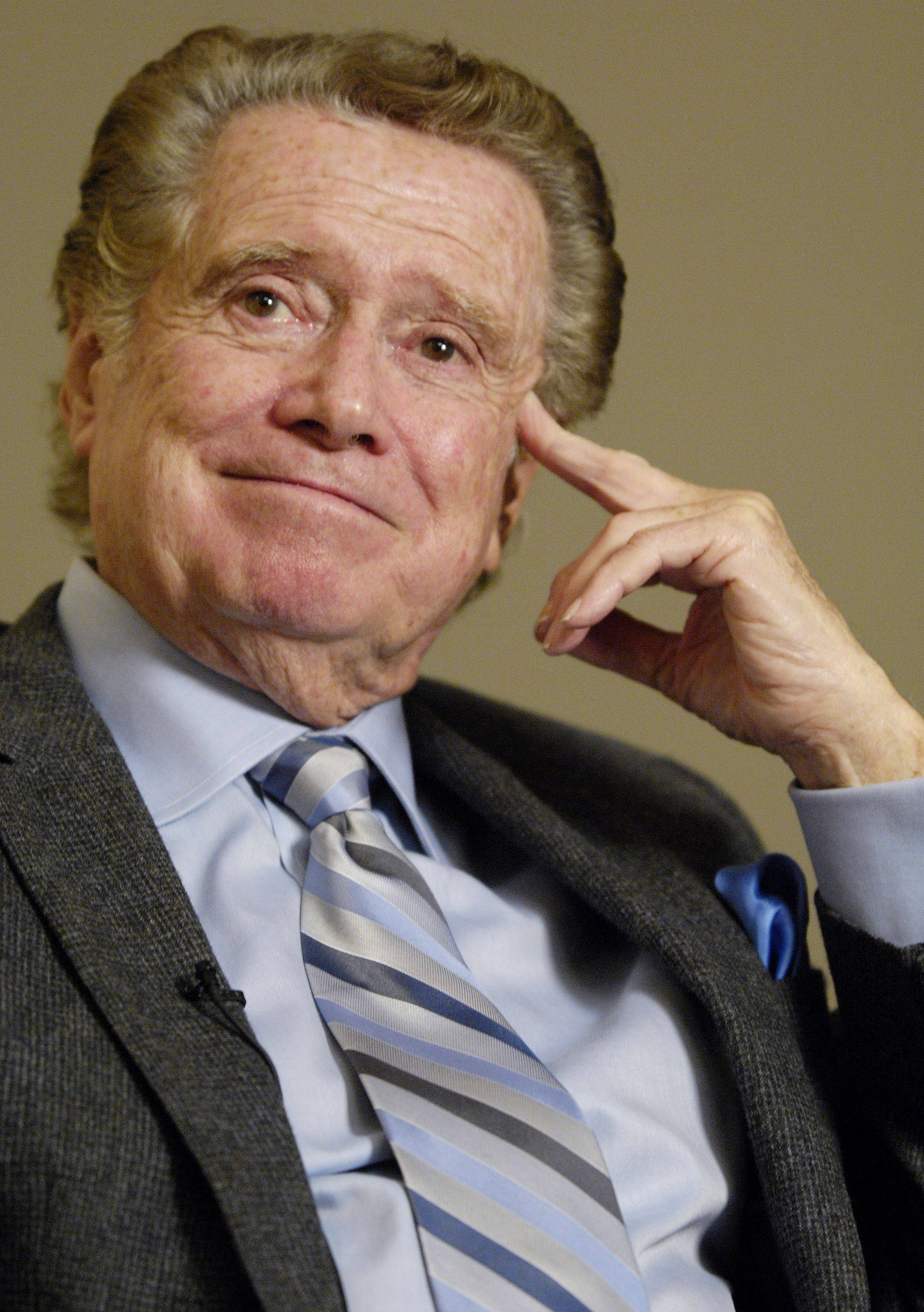 Regis Philbin holds court at North Central College