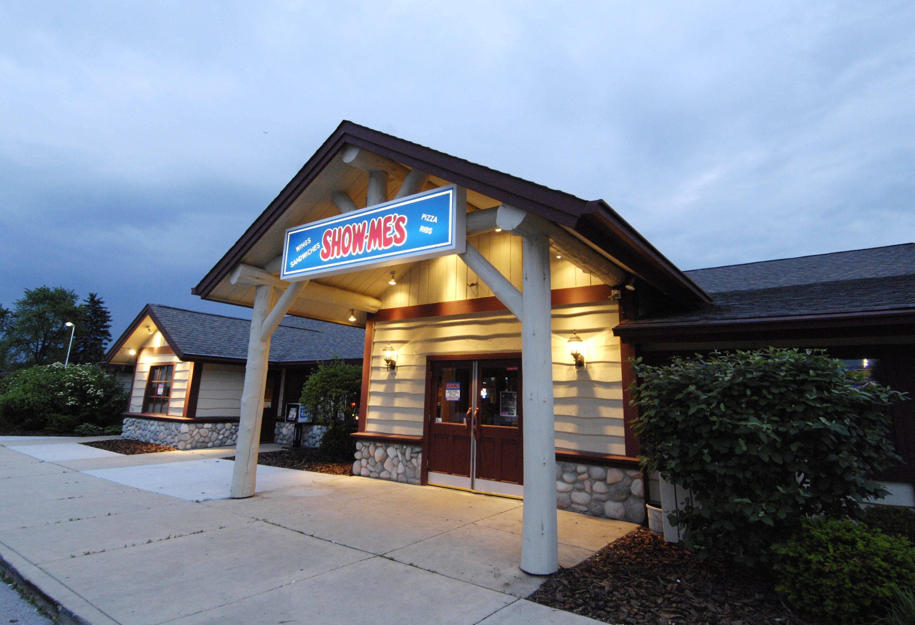 The Show-Me's restaurant and sports bar closed this week after 10 months in business in Naperville.