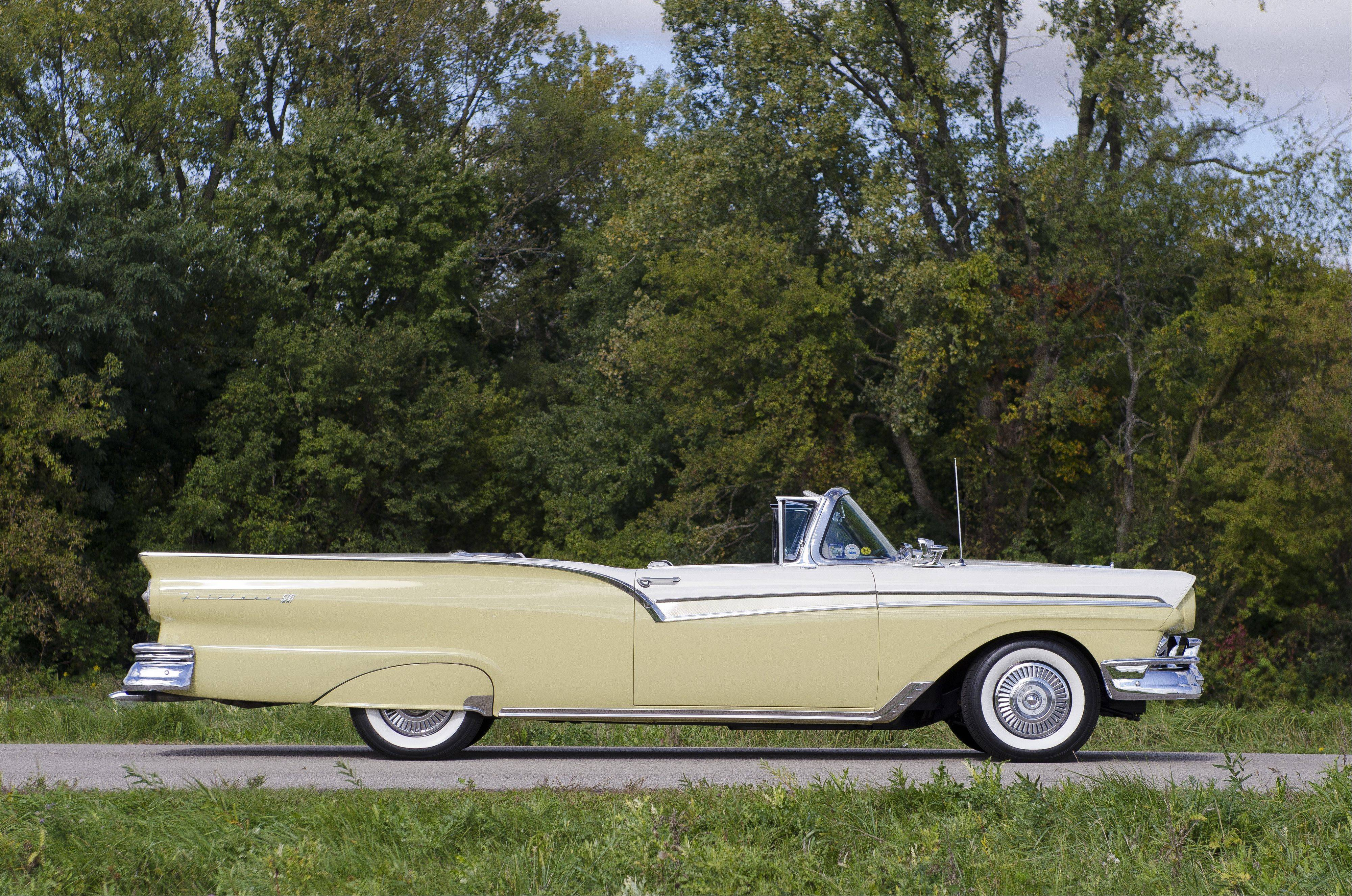 Classic Recollections 1957 Ford Fairlane 500 Skyliner