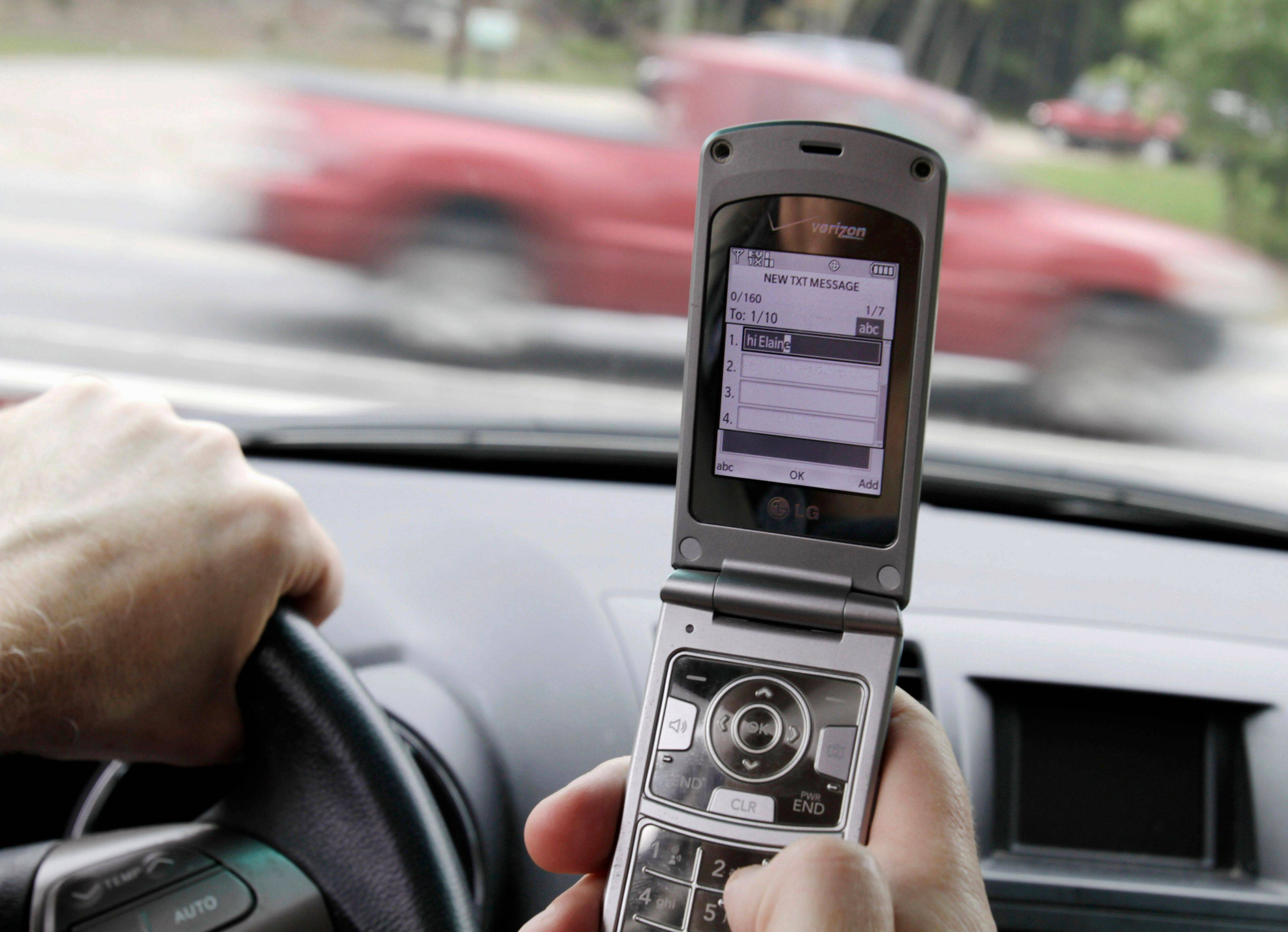 Texting by drivers up 50% in 2010  despite more state bans