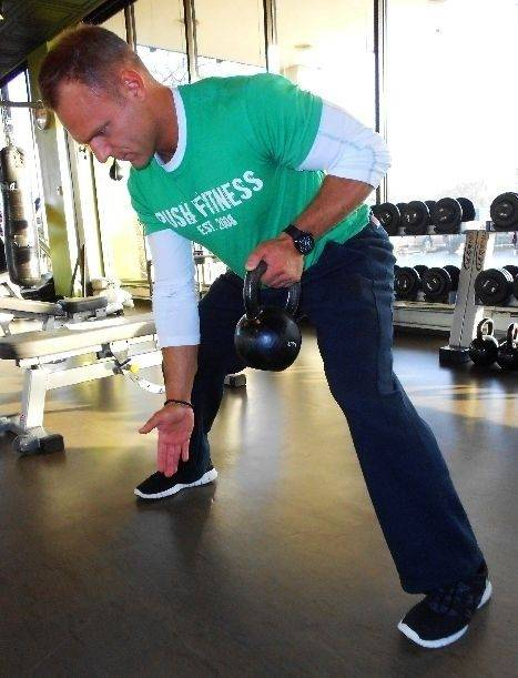 Kettlebell alternating rows really work your arms.