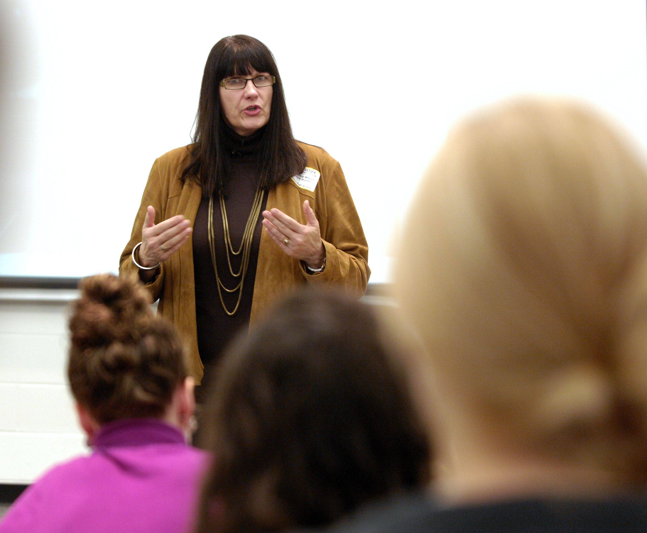 Connie Wilson, the Naperville forewoman of the jury that found Rod Blagojevich guilty of federal corruption charges, speaks Tuesday to students at Metea Valley High School in Aurora.