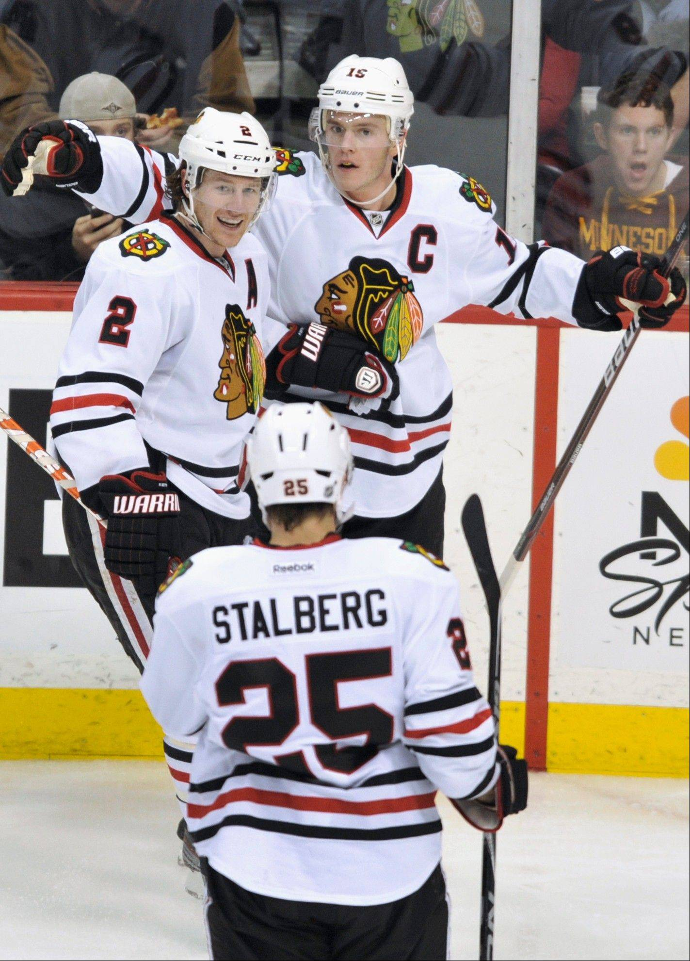 Blackhawks beat league-leading Minnesota
