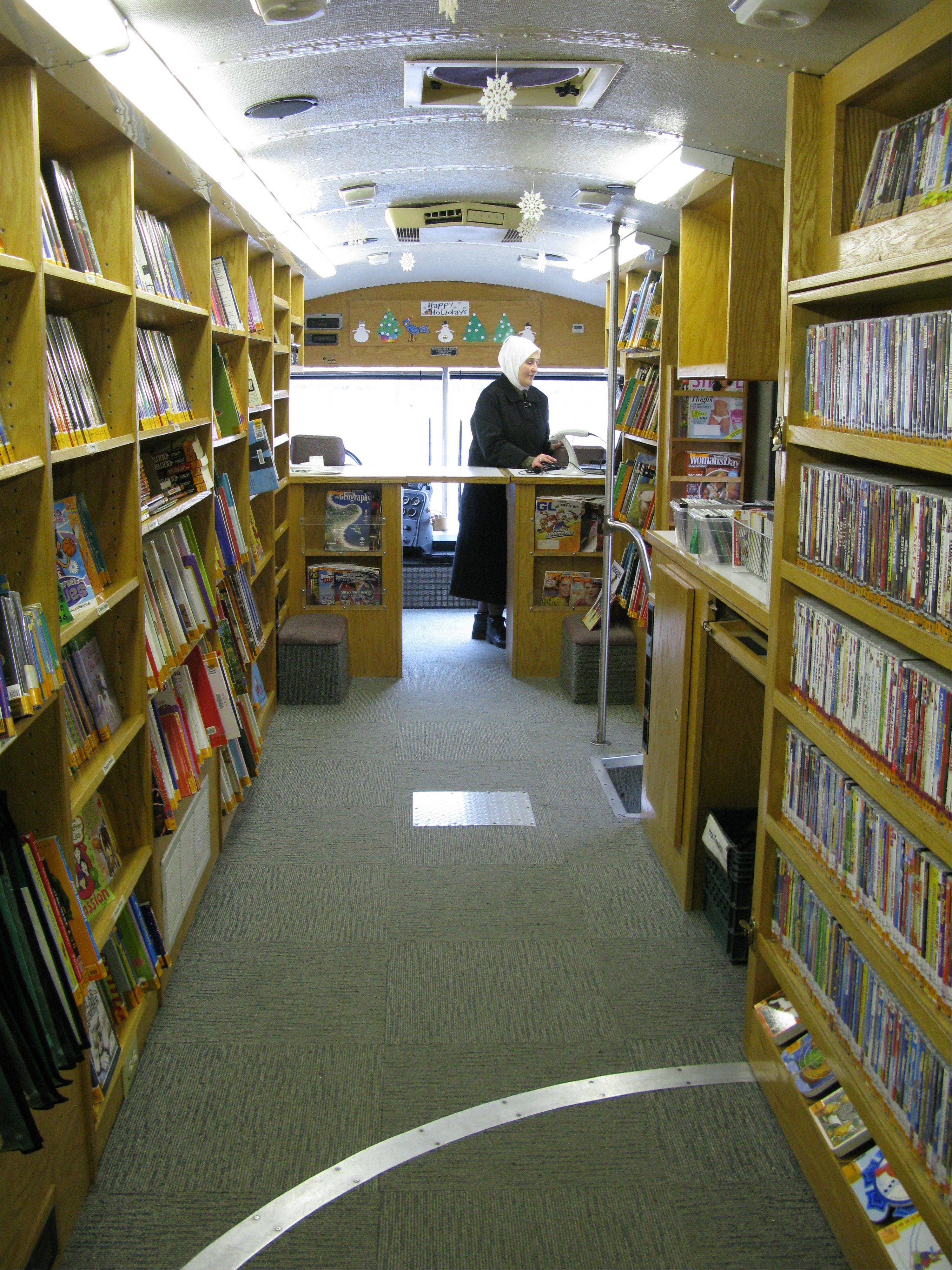 The Des Plaines Public Library's bookmobile is making its final rounds this week. The mobile library retires on Saturday, Dec. 17.