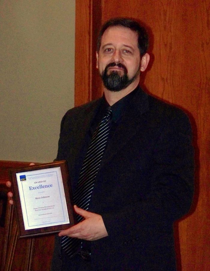 Steve Johnson receives the Society for Technical Communication Award of Excellence.