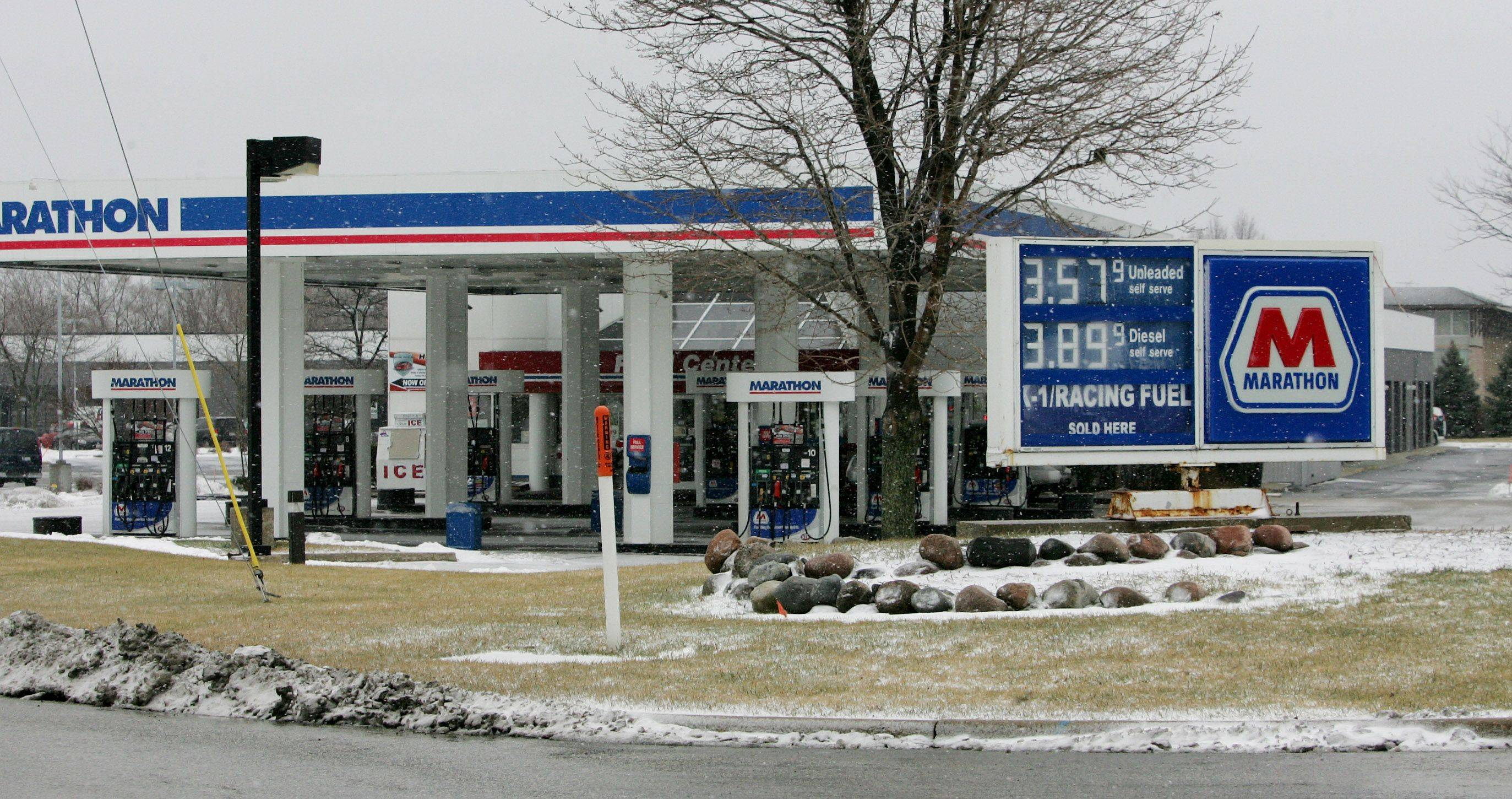This Marathon gas station in Mundelein is one of 80 suburban gas stations that have had at least one fuel line fail inspection by the state each of the past three years.
