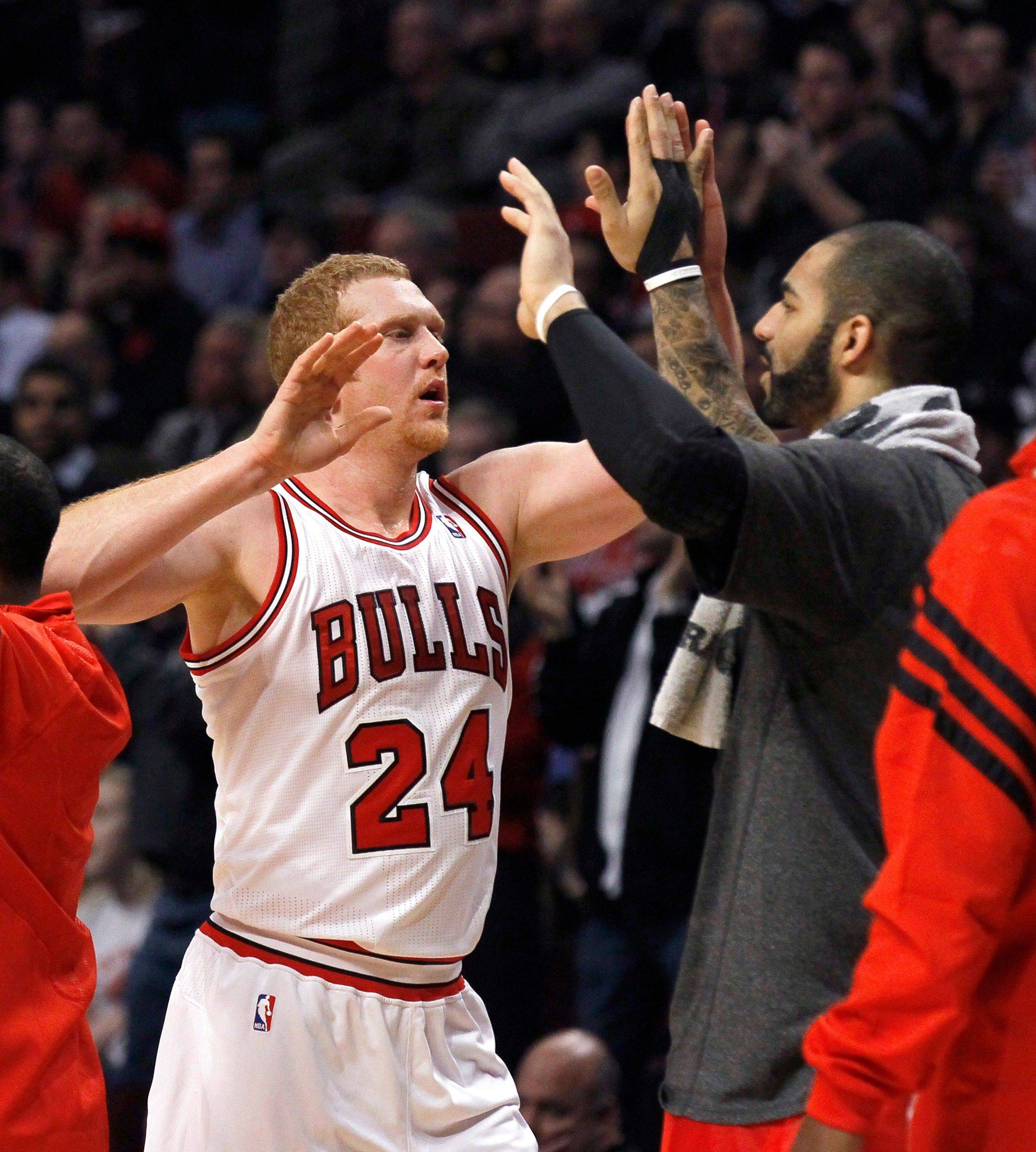 Bulls' Scalabrine showing what he's got