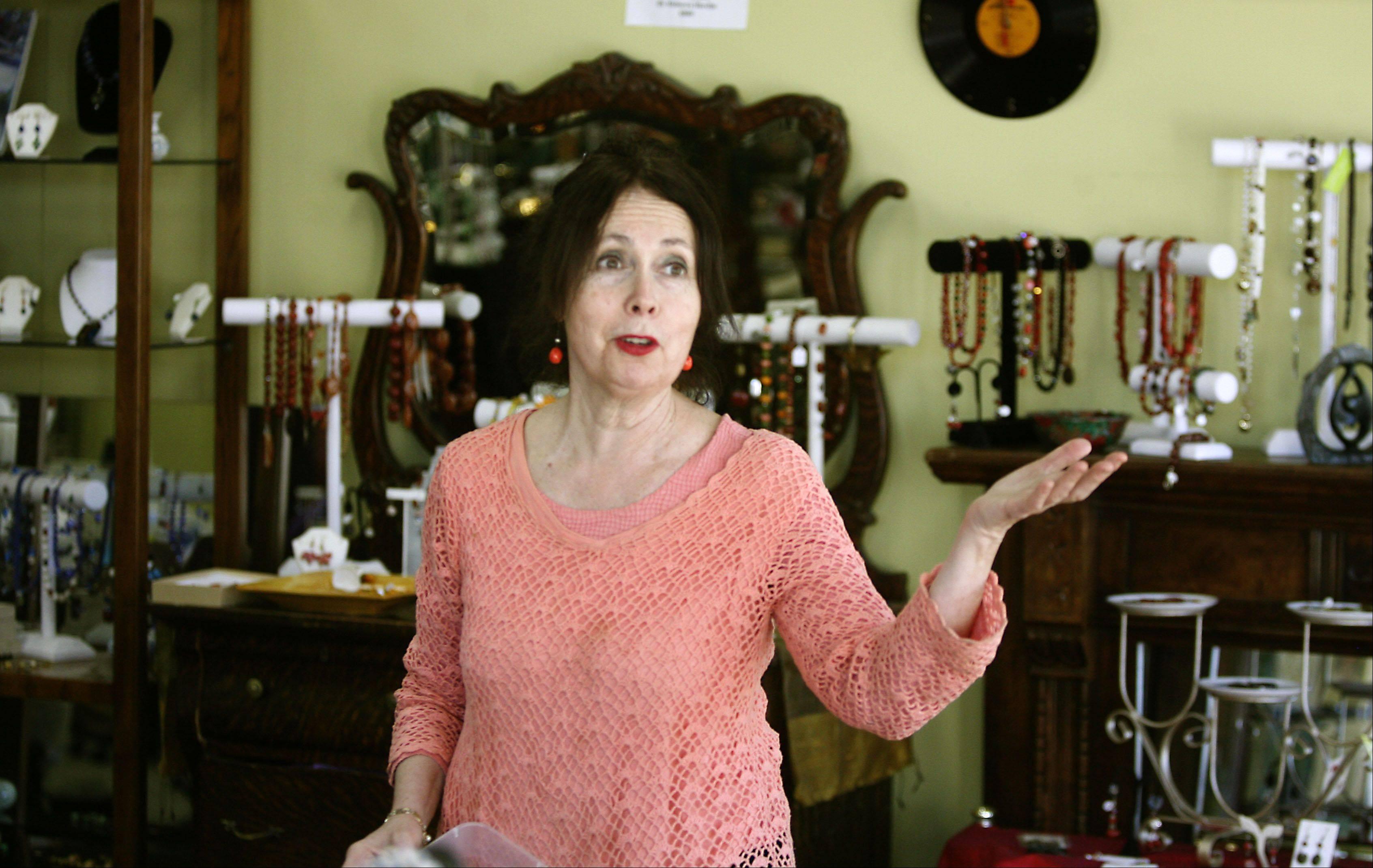 SARET Treasures of Hope owner Chana Bernstein is closing the store due to a decline in sales. The Glen Ellyn store raised money to help the homeless, disabled and less fortunate.