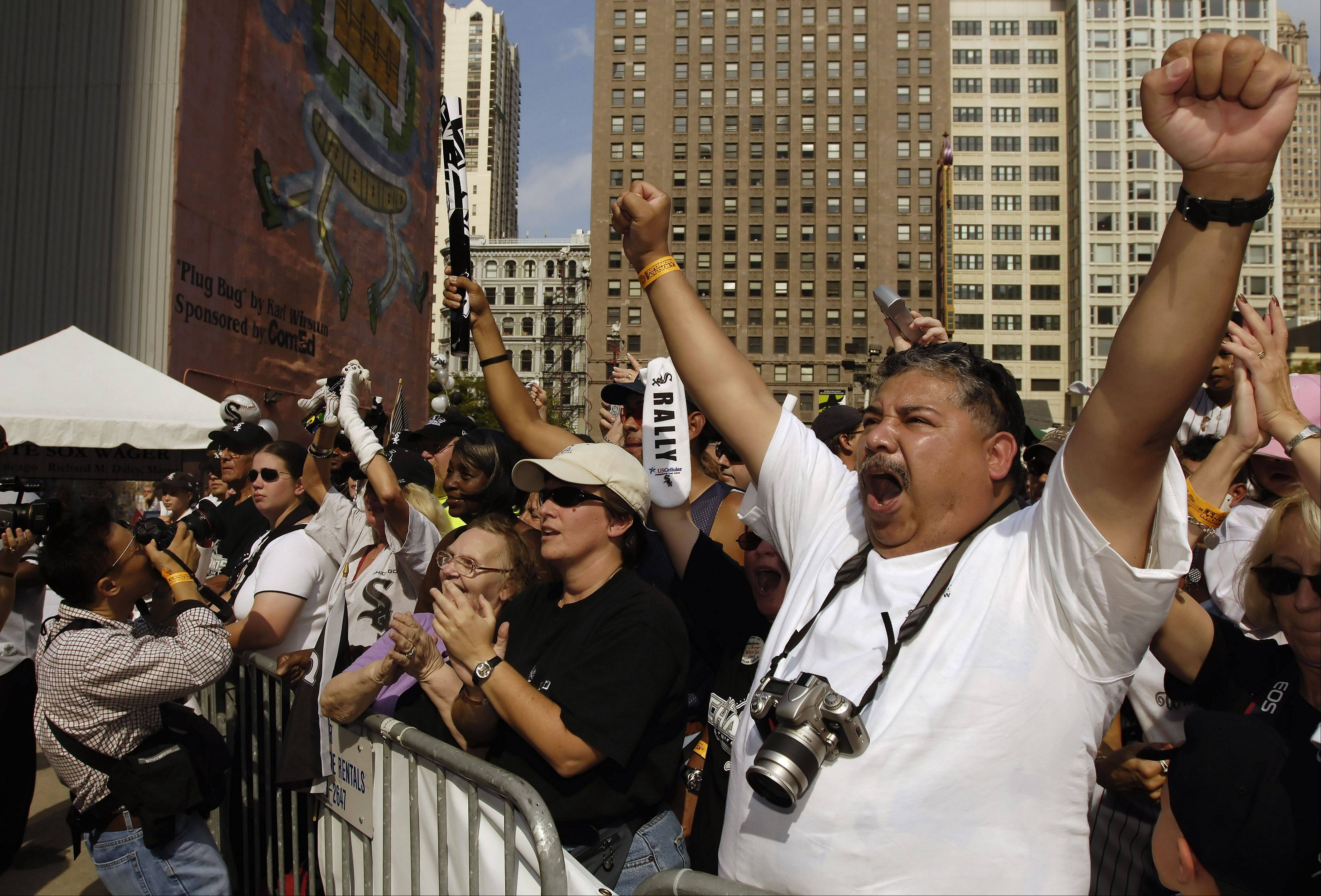 Steve Gallegos of Indiana cheers for his team while attending the 2005 American League Central Division Champion Chicago White Sox rally.