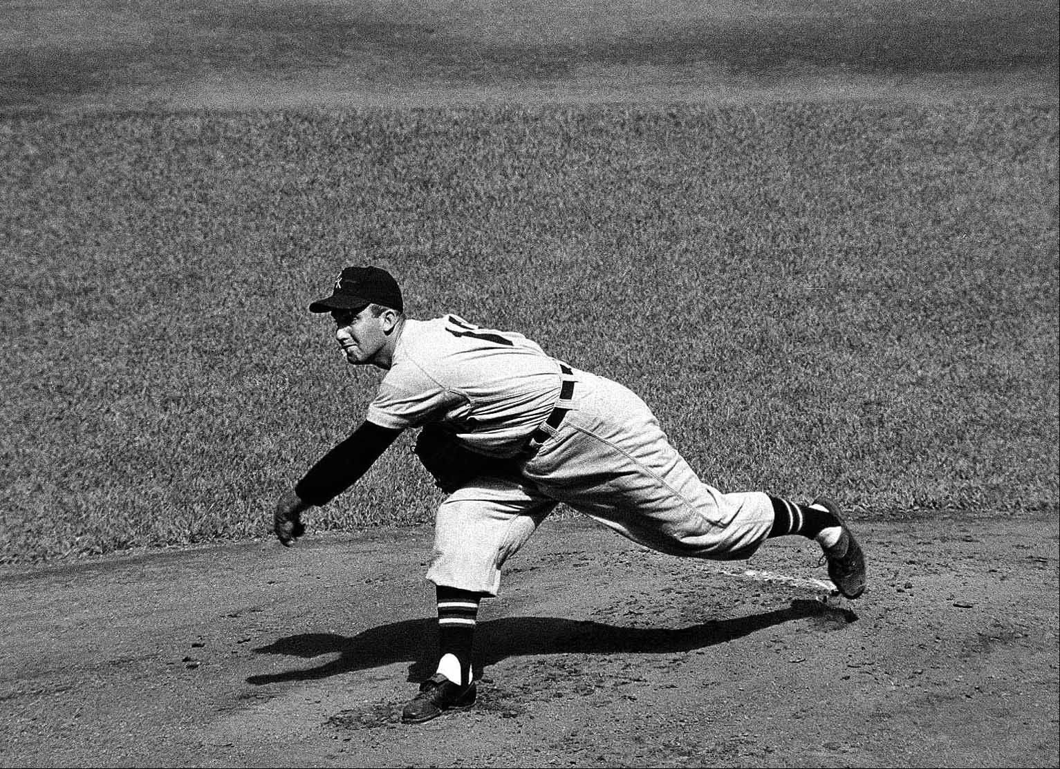 Chicago White Sox pitcher Billy Pierce is shown in action at Yankee Stadium, September 13, 1957.