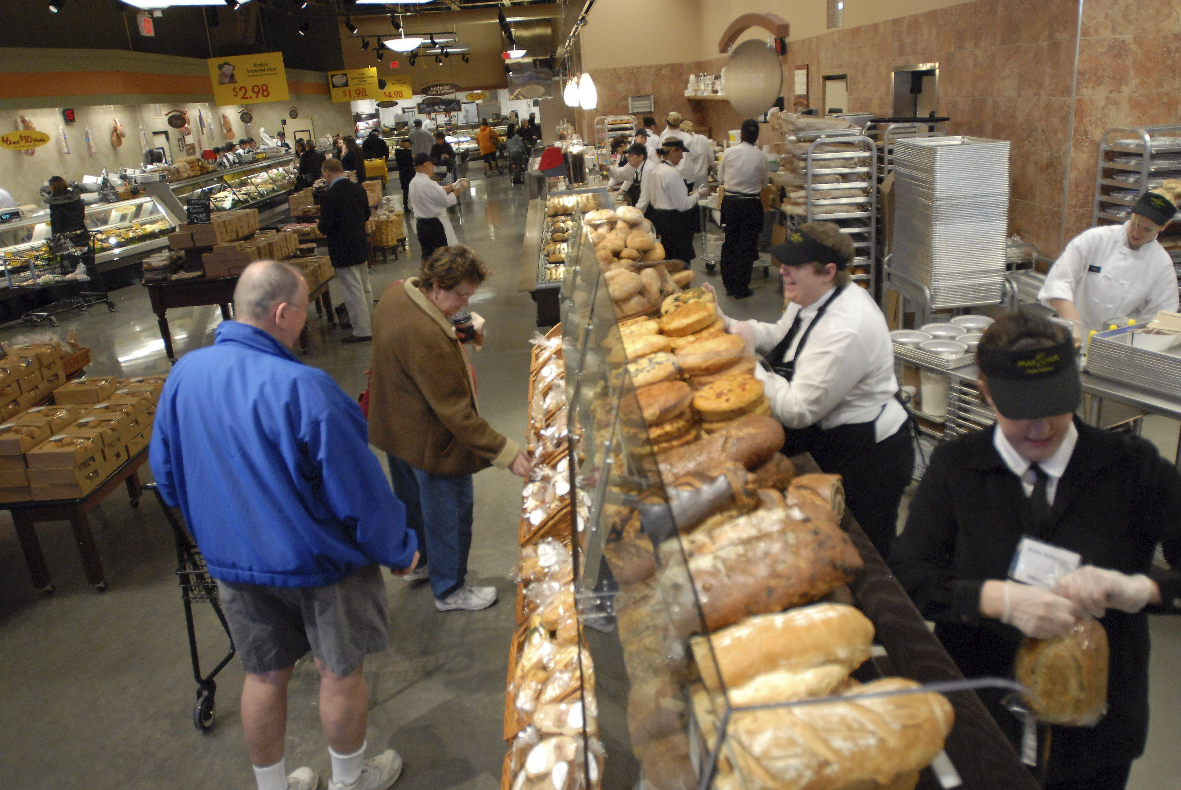 Shoppers check out the bakery during the grand opening of Mariano's Fresh Market Tuesday in Palatine. The Palatine location is the third to open in the Northwest suburbs, following the Arlington Heights and Vernon Hills stores.