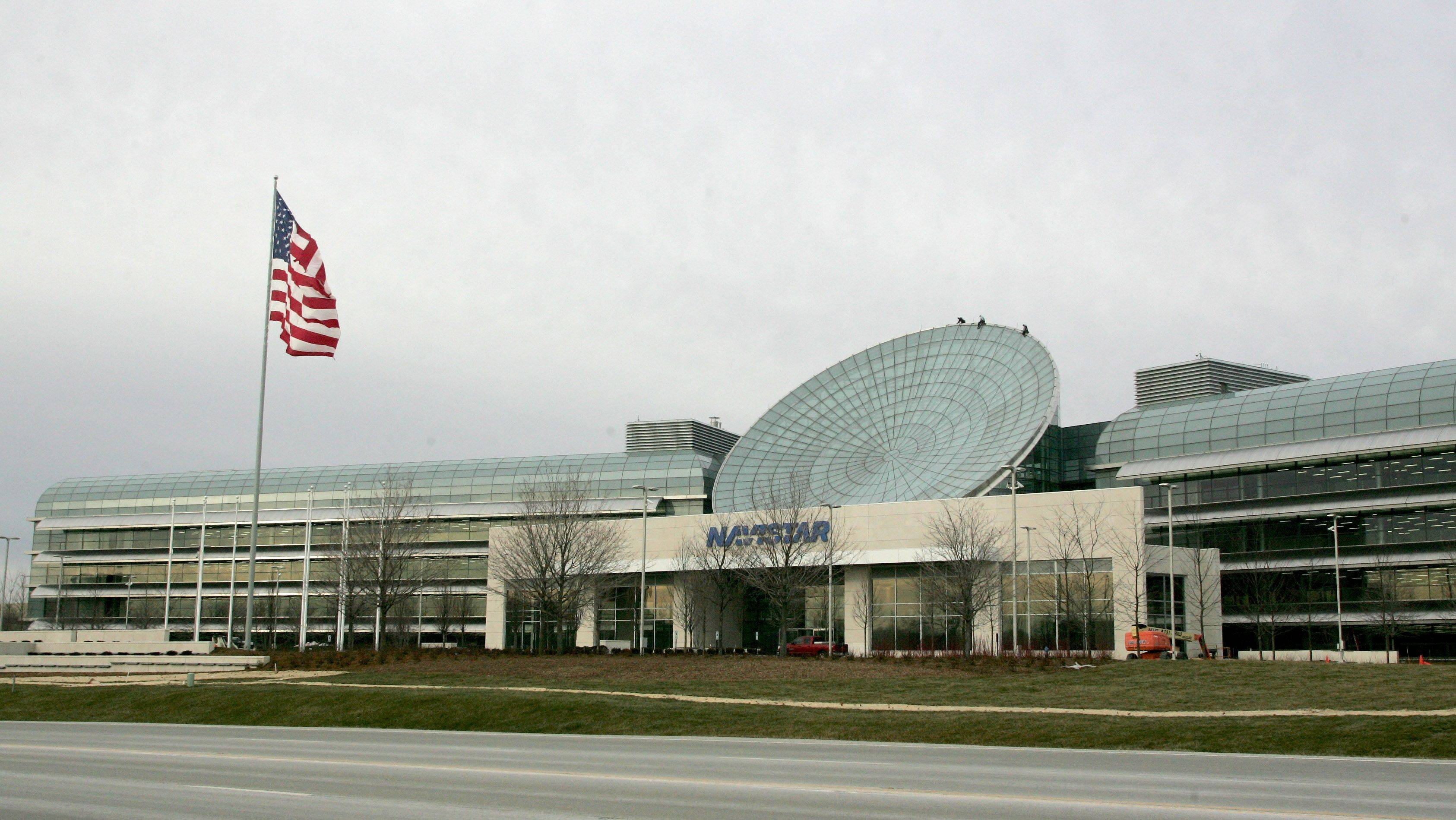 Navistar officially opens new headquarters in Lisle
