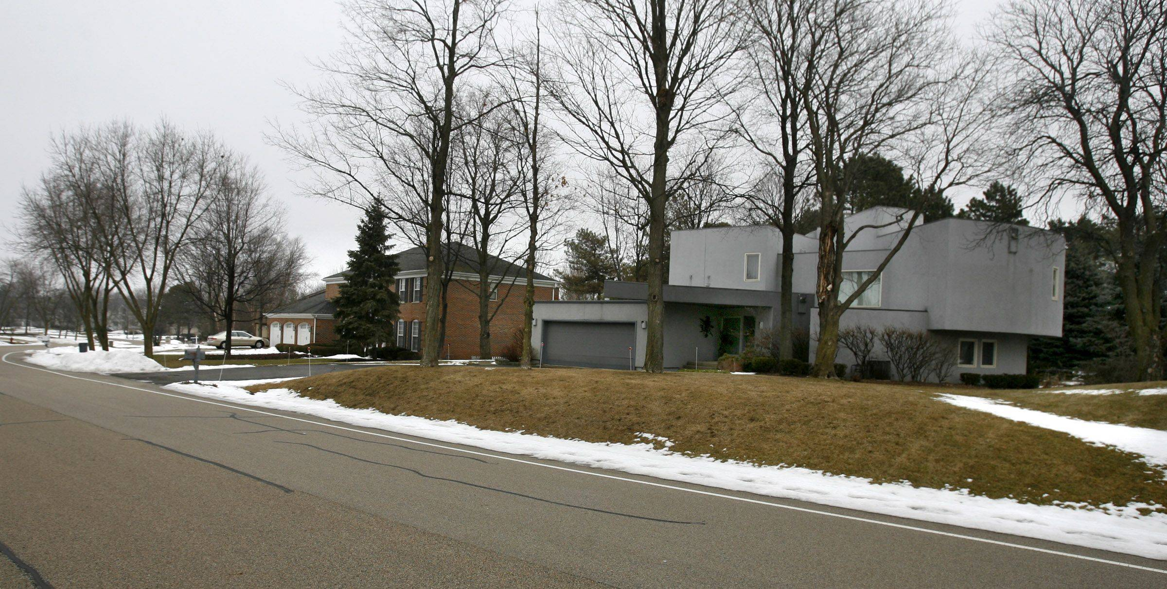 Houses along Acacia Terrace in the Sterling Green neighborhood feature large lots that make the subdivision desirable.