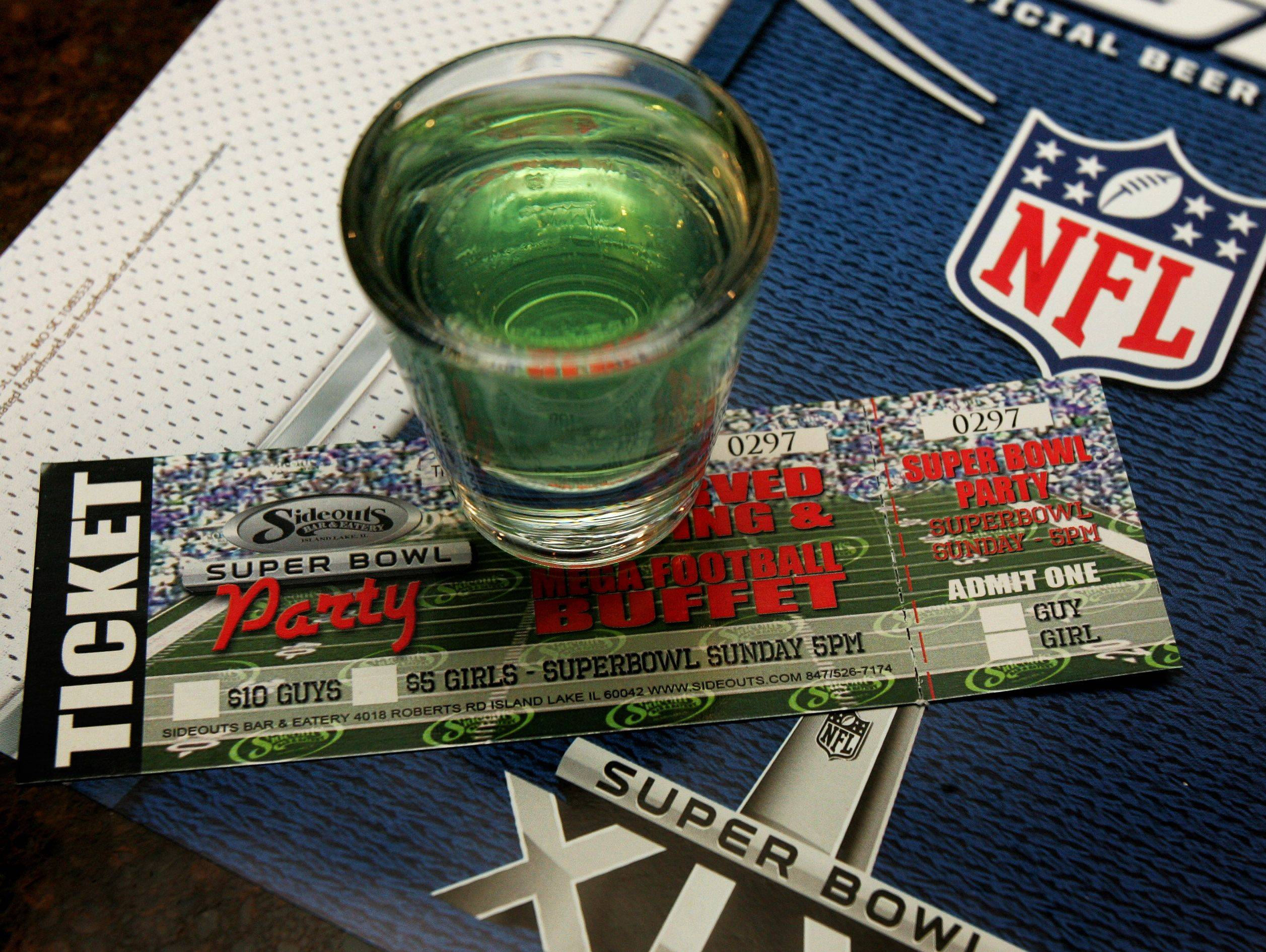 "Sideouts Bar in Island Lake will be serving up ""Da Shot"" during its Super Bowl bash on Sunday."