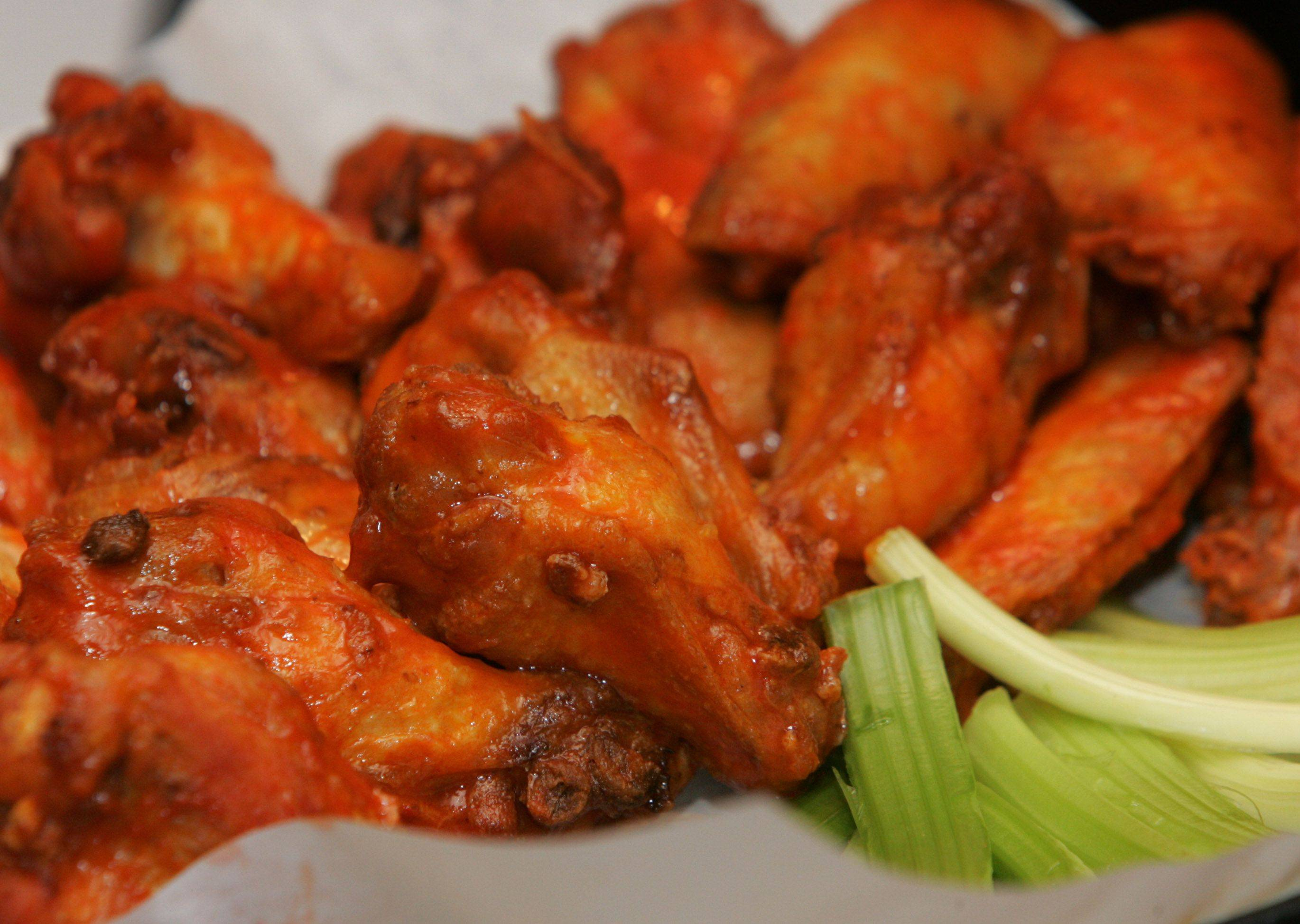 Sideouts' Super Bowl buffet will include Buffalo wings and other football favorites.