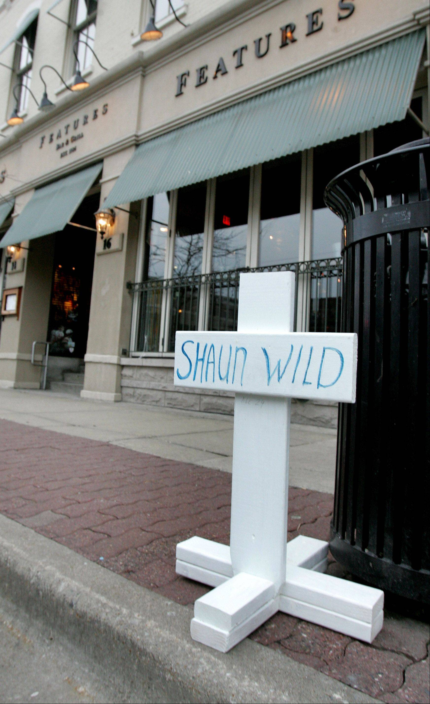Naperville business owners: Too early to pass blame in stabbing