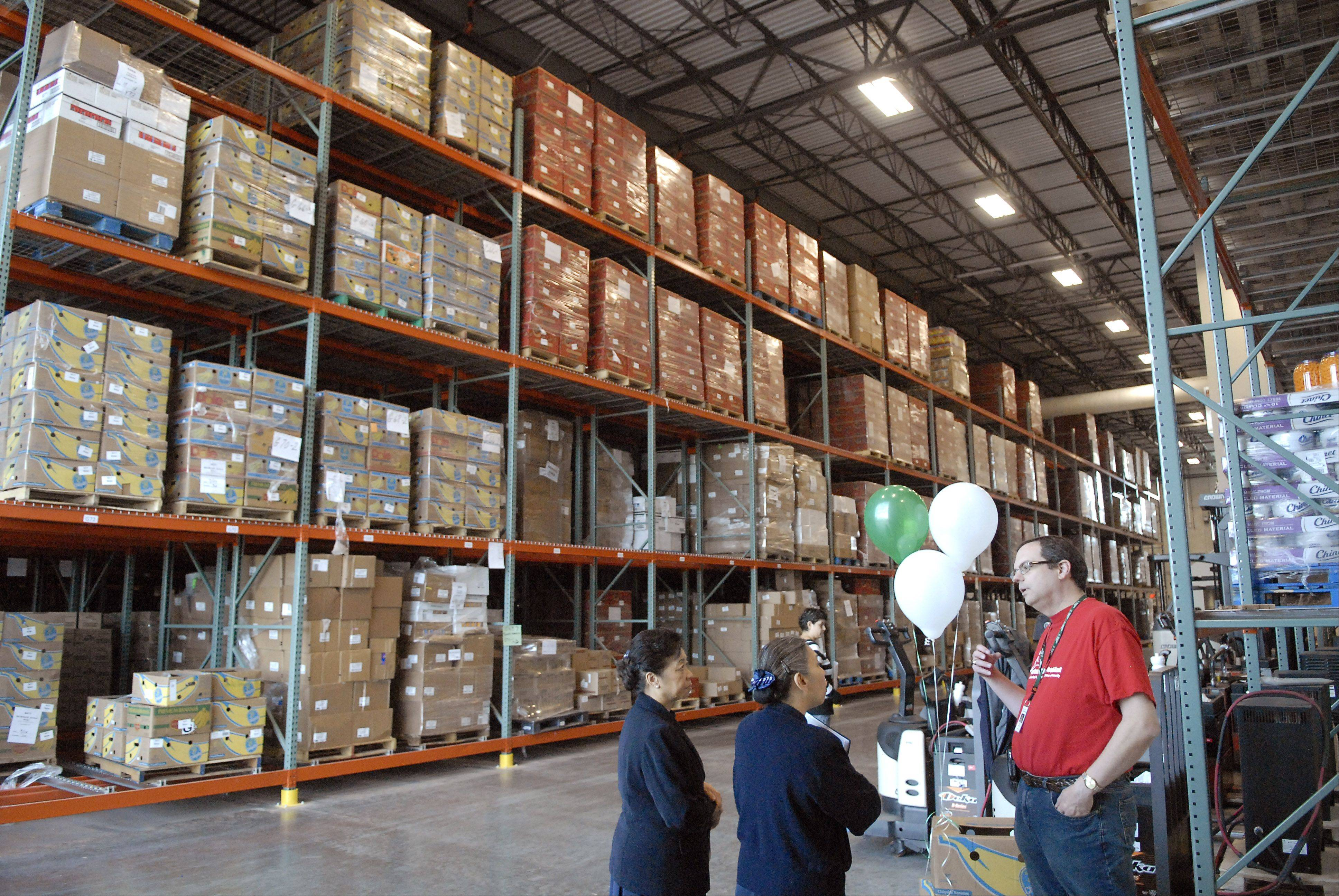 The Northern Illinois Food Bankset a record for distributing food this season.