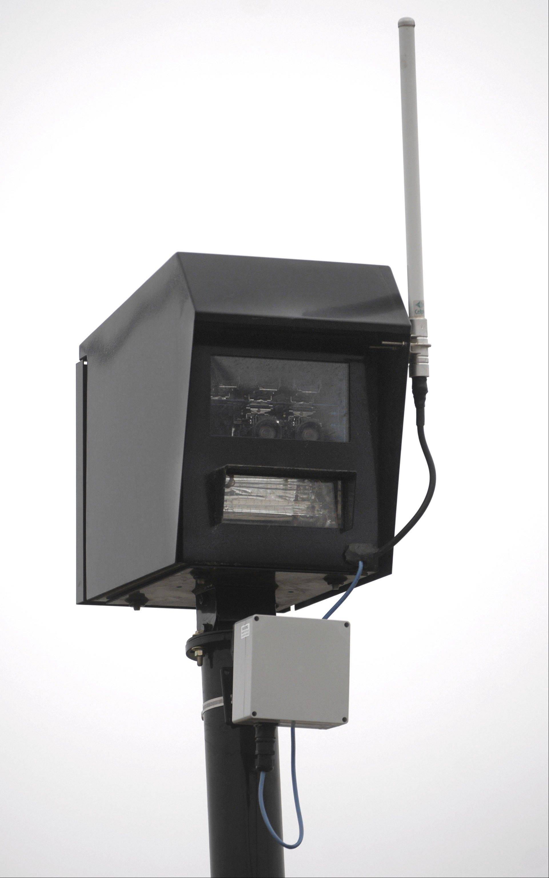 Aurora cops: Red-light cameras reducing accidents