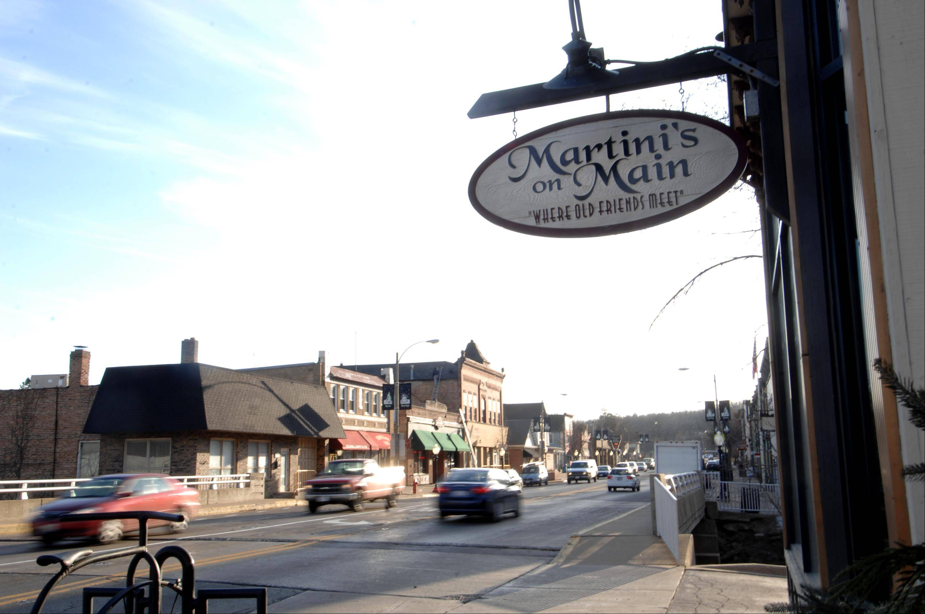 Algonquin has hired a consultant to plan how to enhance the downtown shopping district once the Western Bypass takes some of the heavier traffic away from the intersection of Routes 31 and 62.