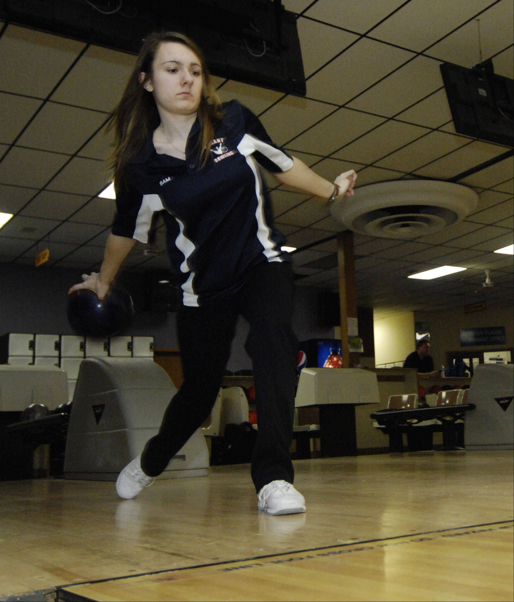 Conant bowler Sam Pincenti practices with her team in Hoffman Estates this week.
