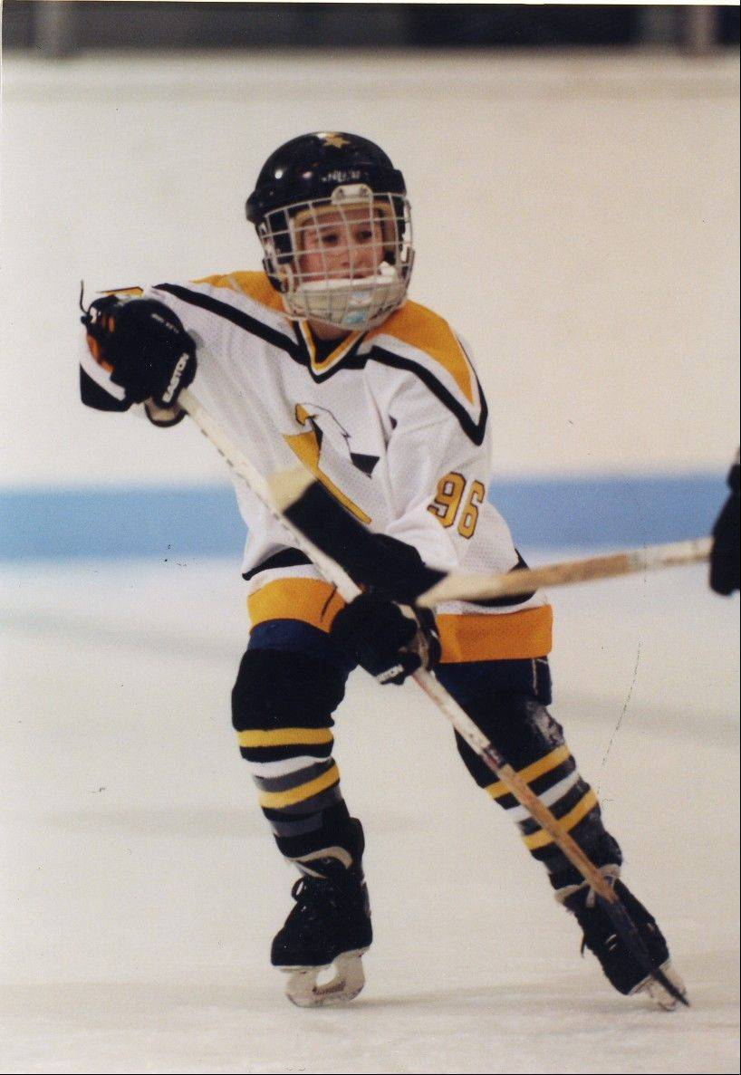 Billy Sweatt played youth hockey for the Glen Ellyn Flames, Chicago Young Americans and Team Illinois before moving to Michigan to take part in USA Hockey's National Team Development Program..
