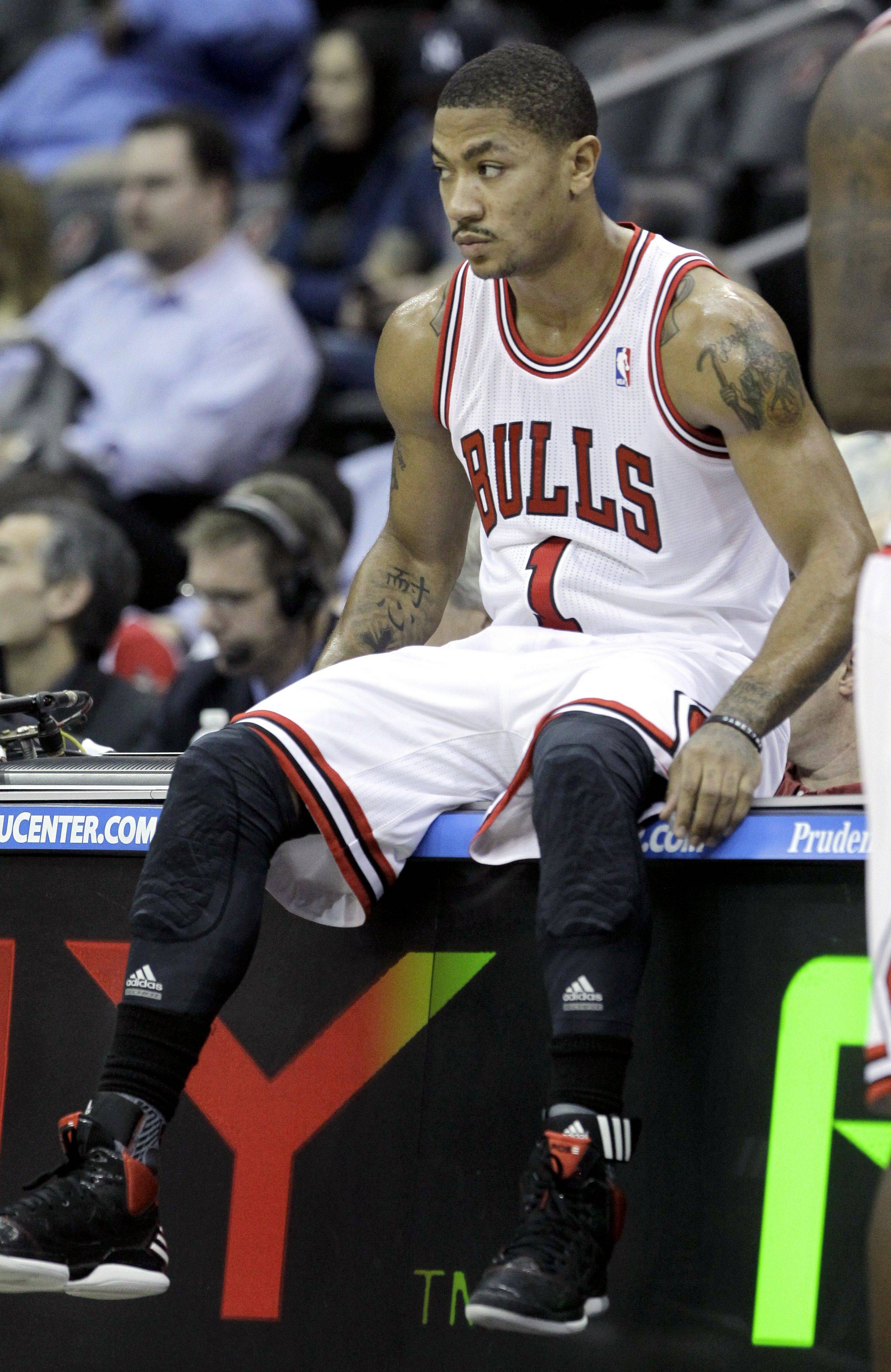A medical exam Monday revealed that Bulls guard Derrick Rose does not have any structural damage in his back. He will continue to receive treatment for the muscular problem, and his status is day to day.