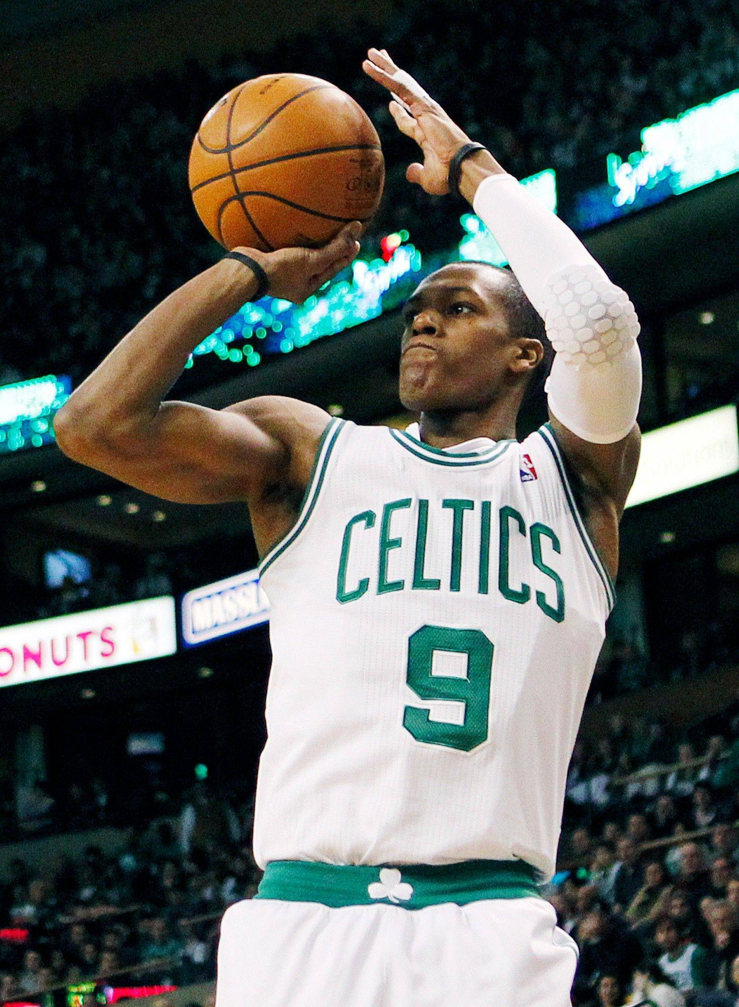 Celtics point guard Rajon Rondo finished with 33 points and 15 assists in Sunday's victory over the Bulls at Boston. The Celtics visit the United Center on Thursday night.