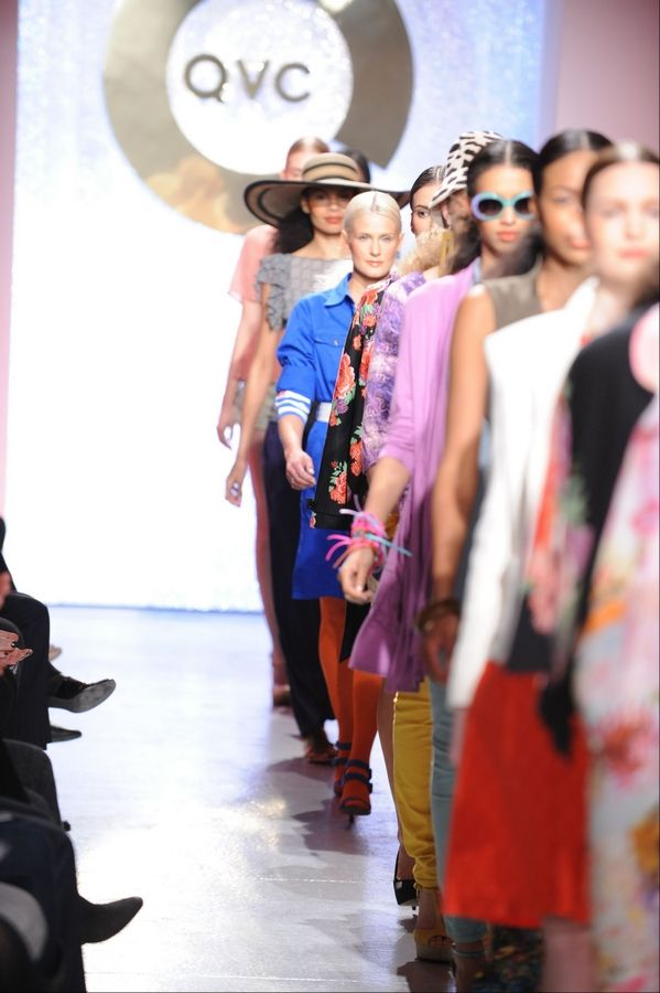 Chains, couture mix during Fashion Week