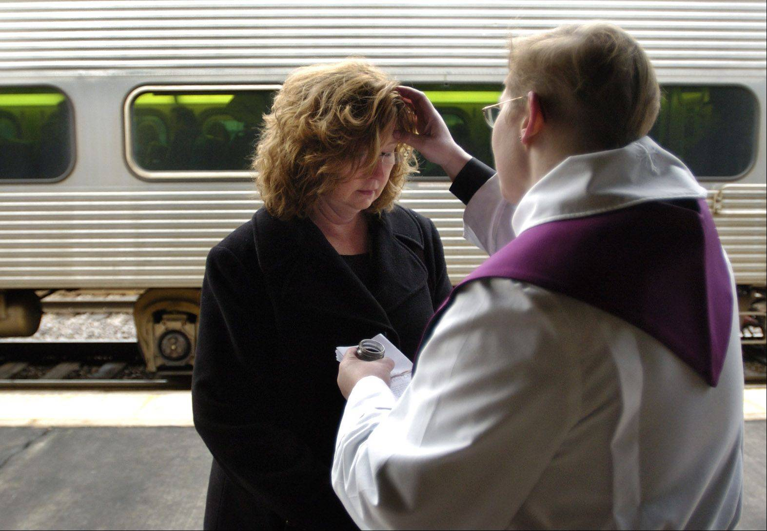 Images: Ash Wednesday in the suburbs