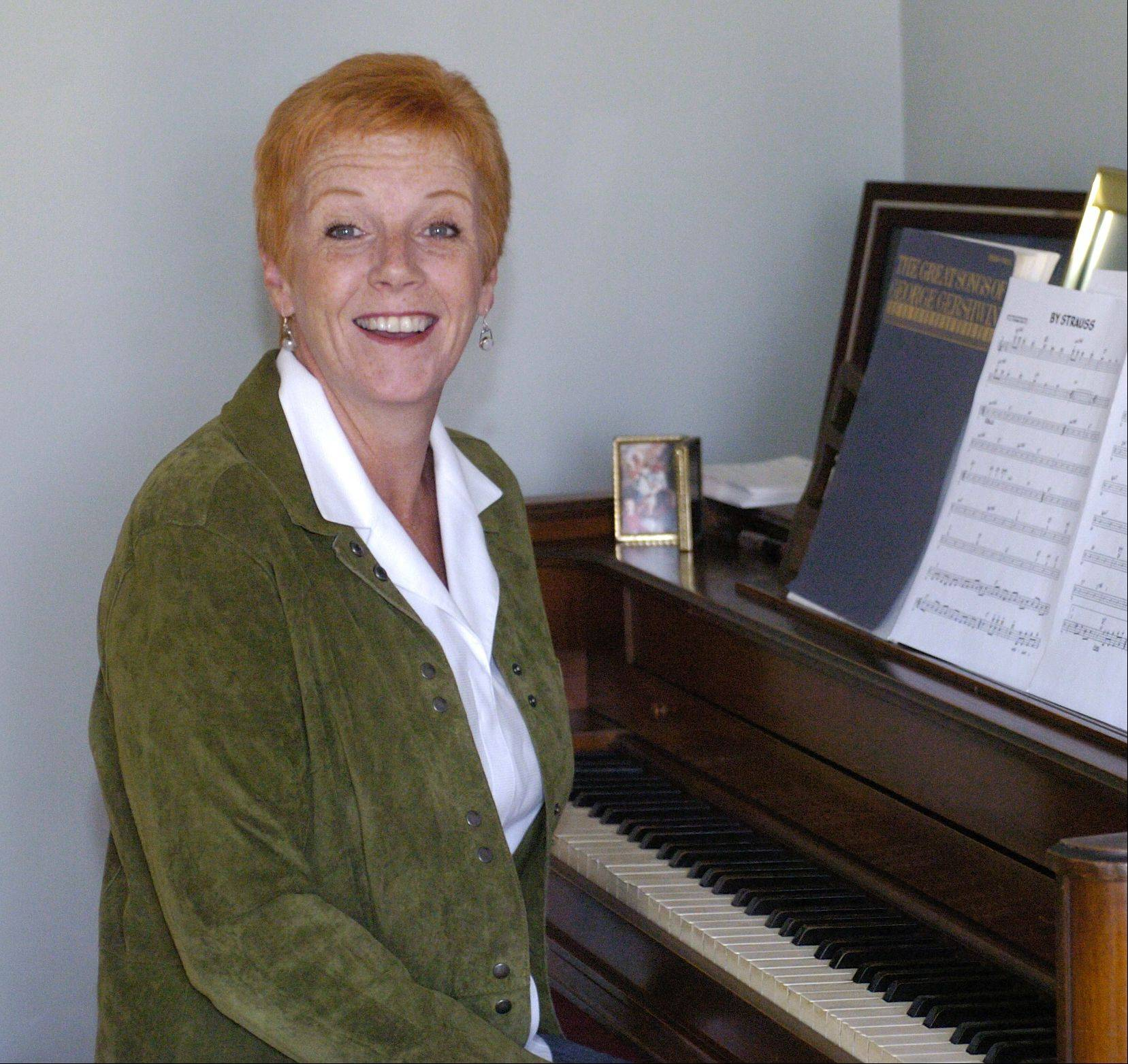 Naperville resident and cabaret singer Joan Curto is set to perform her cabaret show Sunday.
