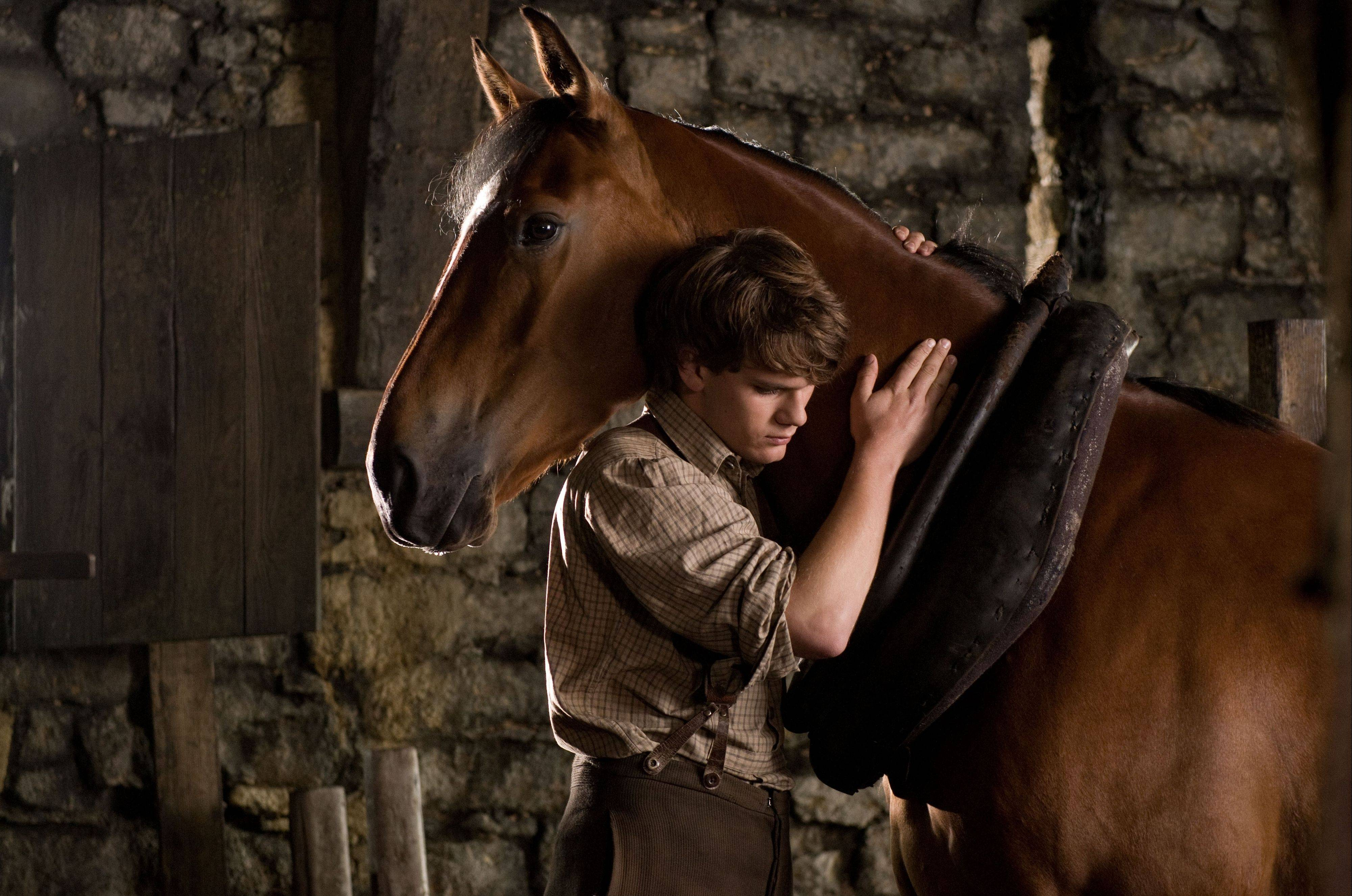 "Elmhurst native Gary Rydstrom is up for an Oscar for supplying the sound to Steven Spielberg's epic drama ""War Horse,"" about a beloved horse struggling to survive World War I."