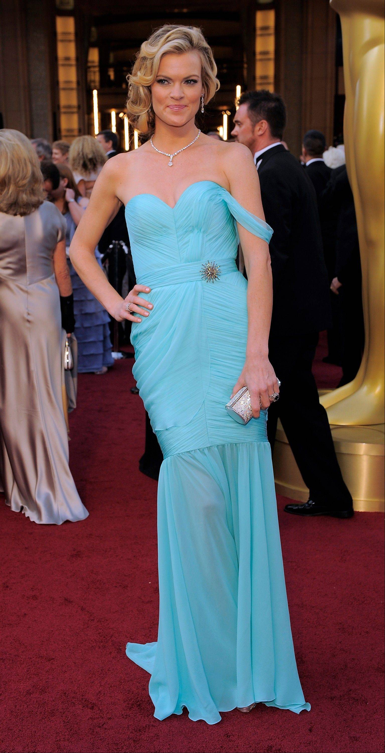 """The Artist"" actress Missi Pyle came to the Oscars in a Valentina Delfino gown."