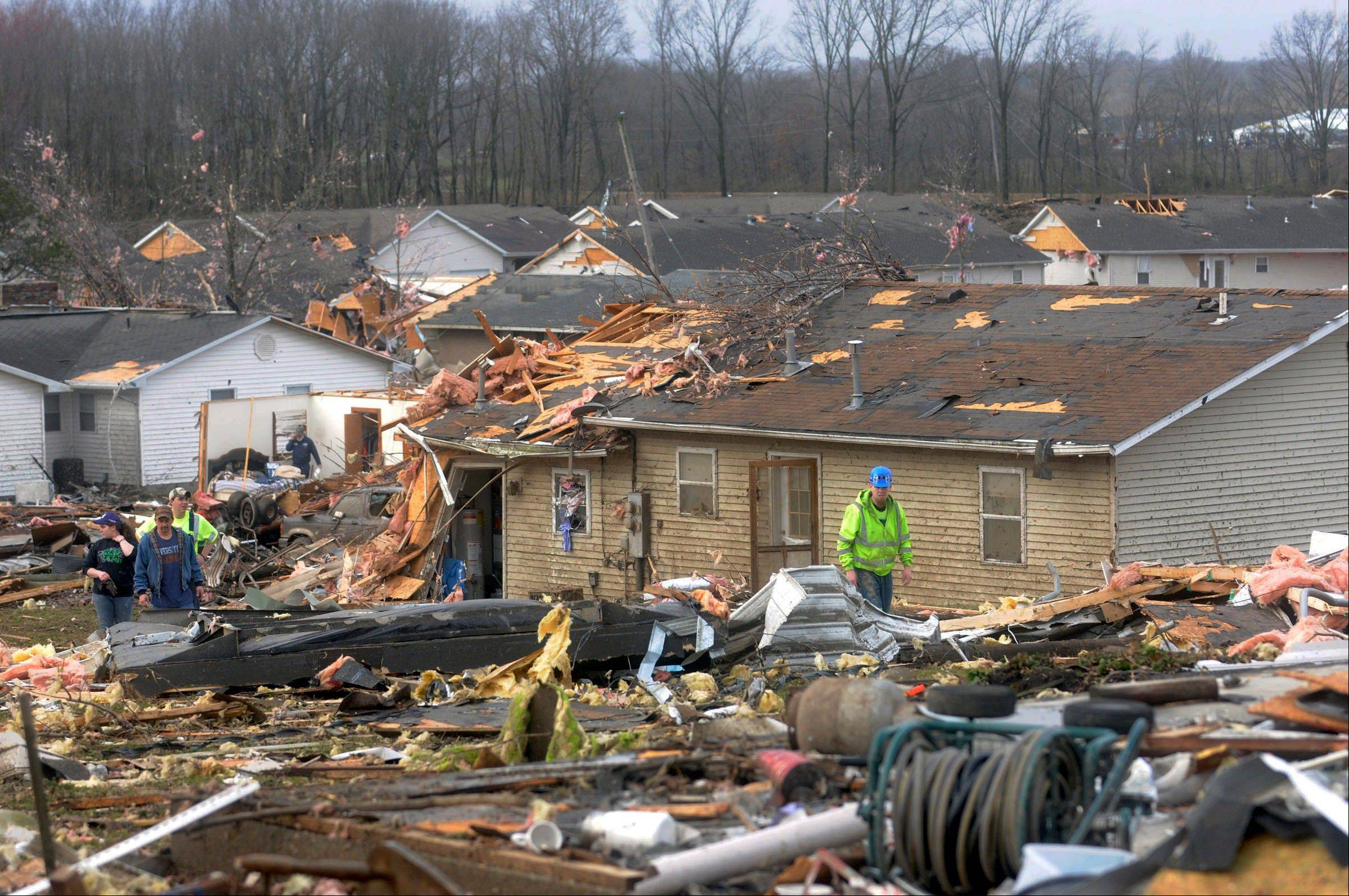 Images: Tornados hit Illinois, Indiana, Missouri and Kansas