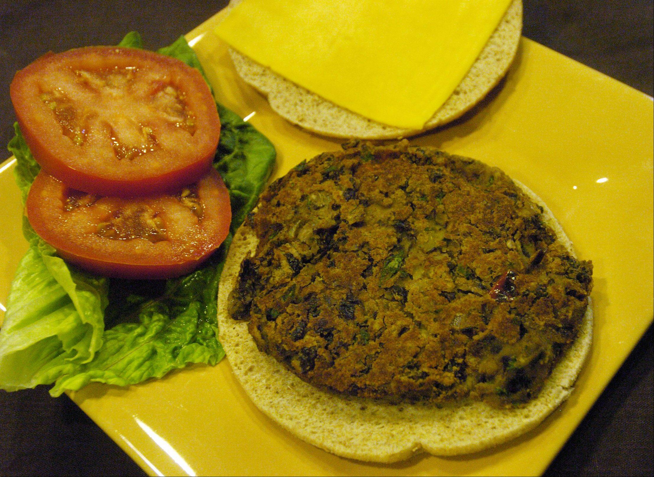 Bob Chwedyk/bchwedyk@dailyherald.com Black Bean burger with low fat cheese for nutrition column.