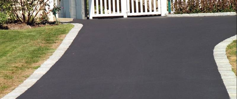 Concrete asphalt each have their advantages for driveways an asphalt driveway tends to be less expensive to install than a concrete one but solutioingenieria Choice Image