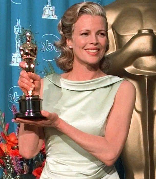 Ashbrook scored a big hit for her client, Escada, when Kim Basinger selected the designer's green satin gown to wear to the Oscars in 1998.