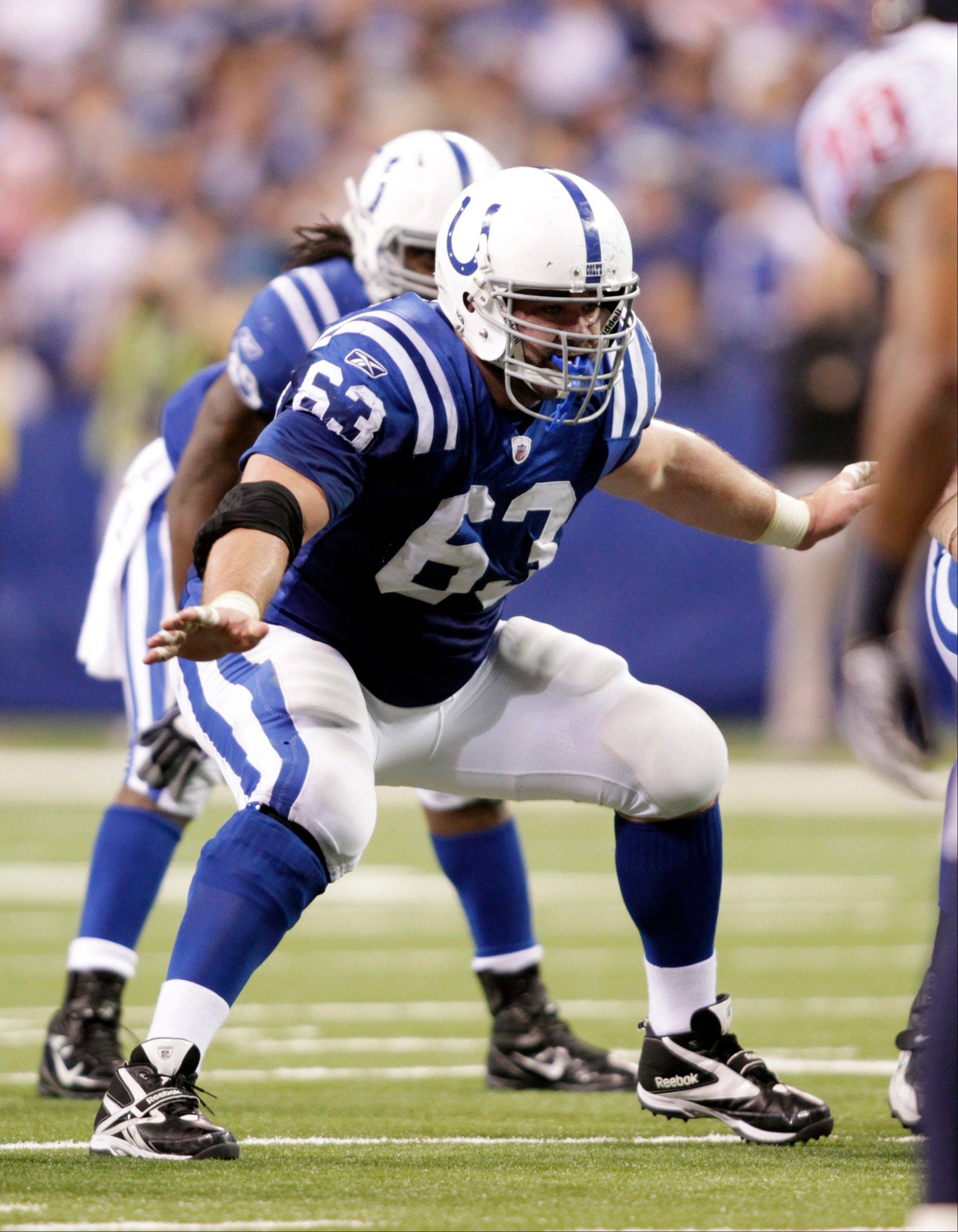 Ex-Colts' Jeff Saturday has agreed to a deal with the Green Bay Packers, sources with knowledge of the negotiations say.